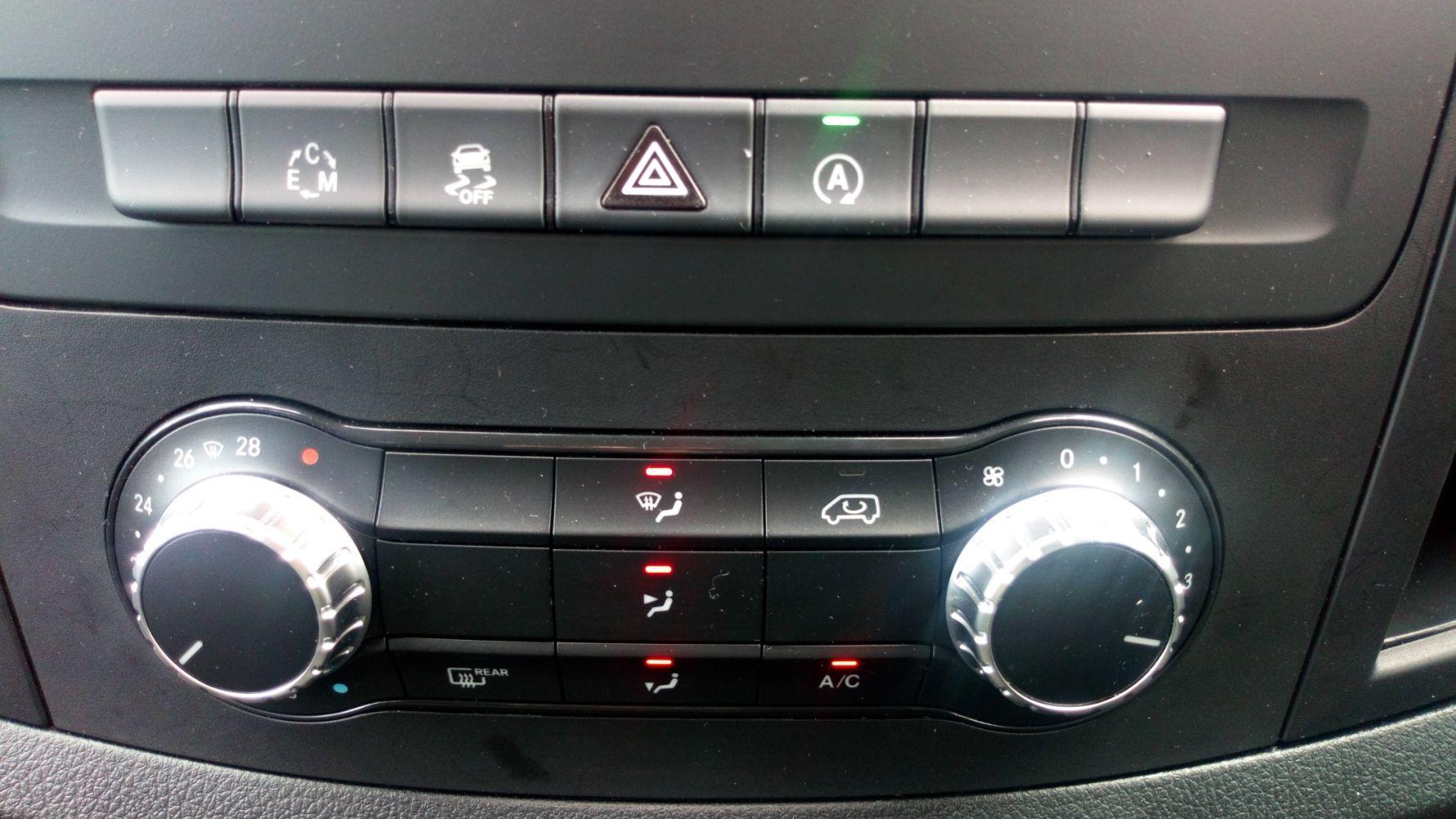 2019 Mercedes-Benz Vito 119 Bluetec Tourer Select 7-Gtronic 9 Seats Euro 6 (KR19UVX) Image 27