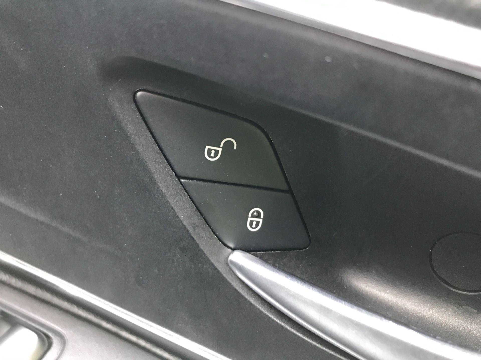 2019 Mercedes-Benz Vito 119CDI XLWB BLUETEC TOURER SELECT EURO 6 AUTOMATIC (KR19UWZ) Image 32