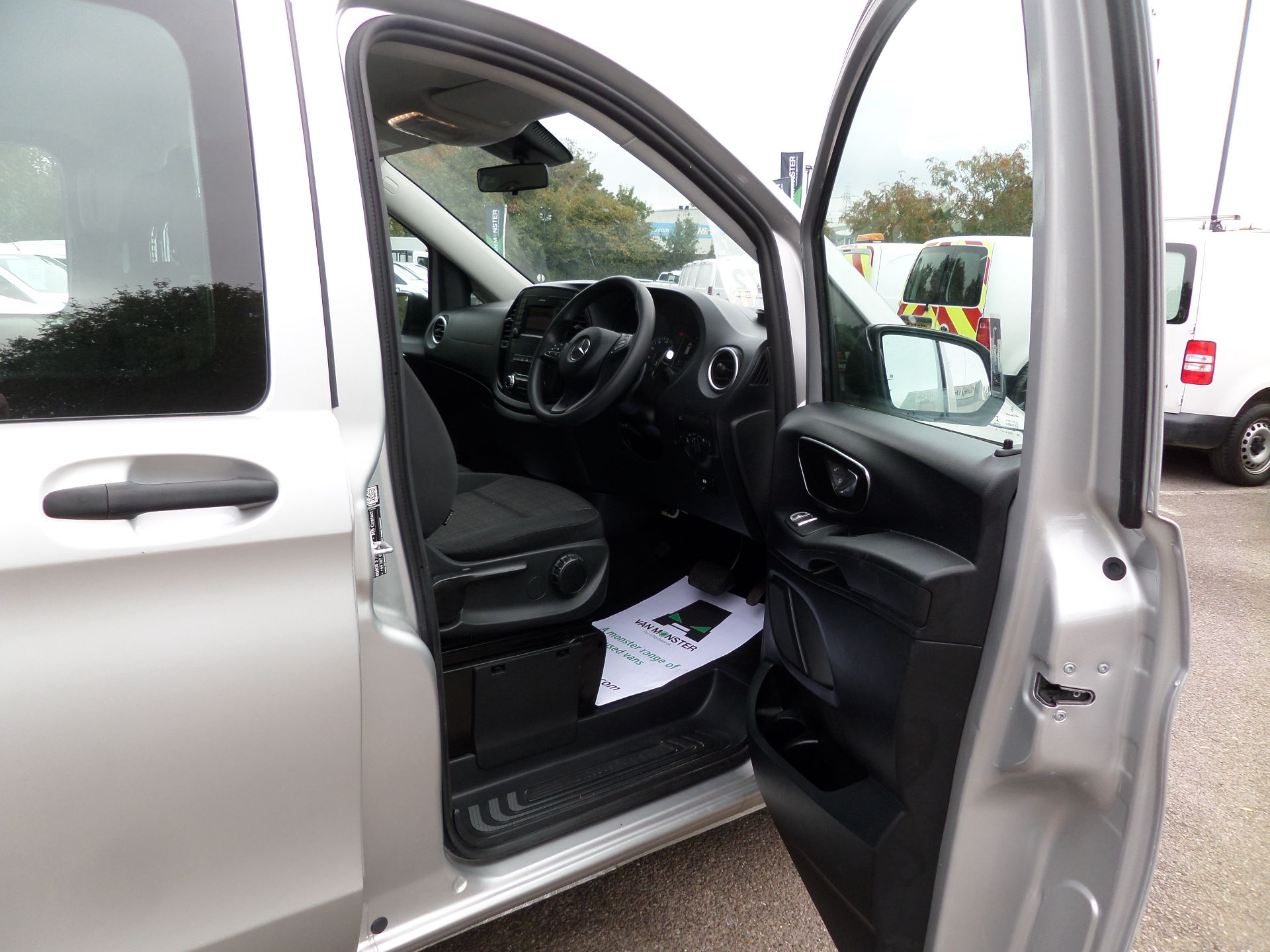 2019 Mercedes-Benz Vito 119 Cdi Select 9-Seater 7G-Tronic Euro 6 (KR19UYC) Image 12