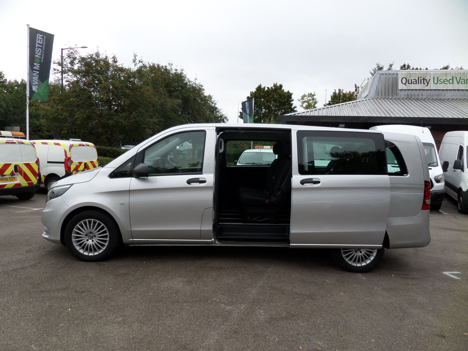 2019 Mercedes-Benz Vito 119 Cdi Select 9-Seater 7G-Tronic Euro 6 (KR19UYC) Image 8