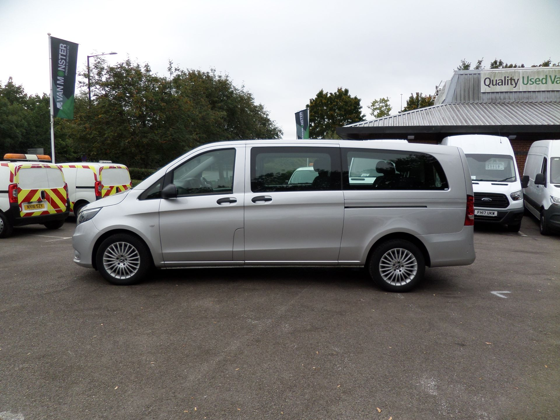 2019 Mercedes-Benz Vito 119 Cdi Select 9-Seater 7G-Tronic Euro 6 (KR19UYC) Image 7