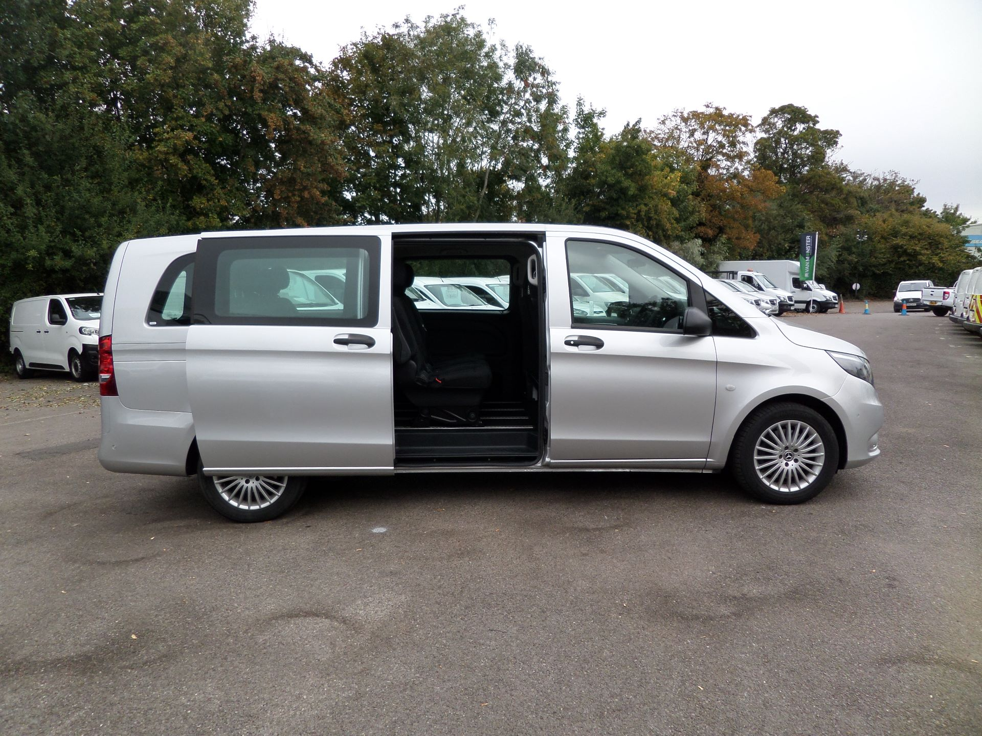 2019 Mercedes-Benz Vito 119 Cdi Select 9-Seater 7G-Tronic Euro 6 (KR19UYC) Image 3