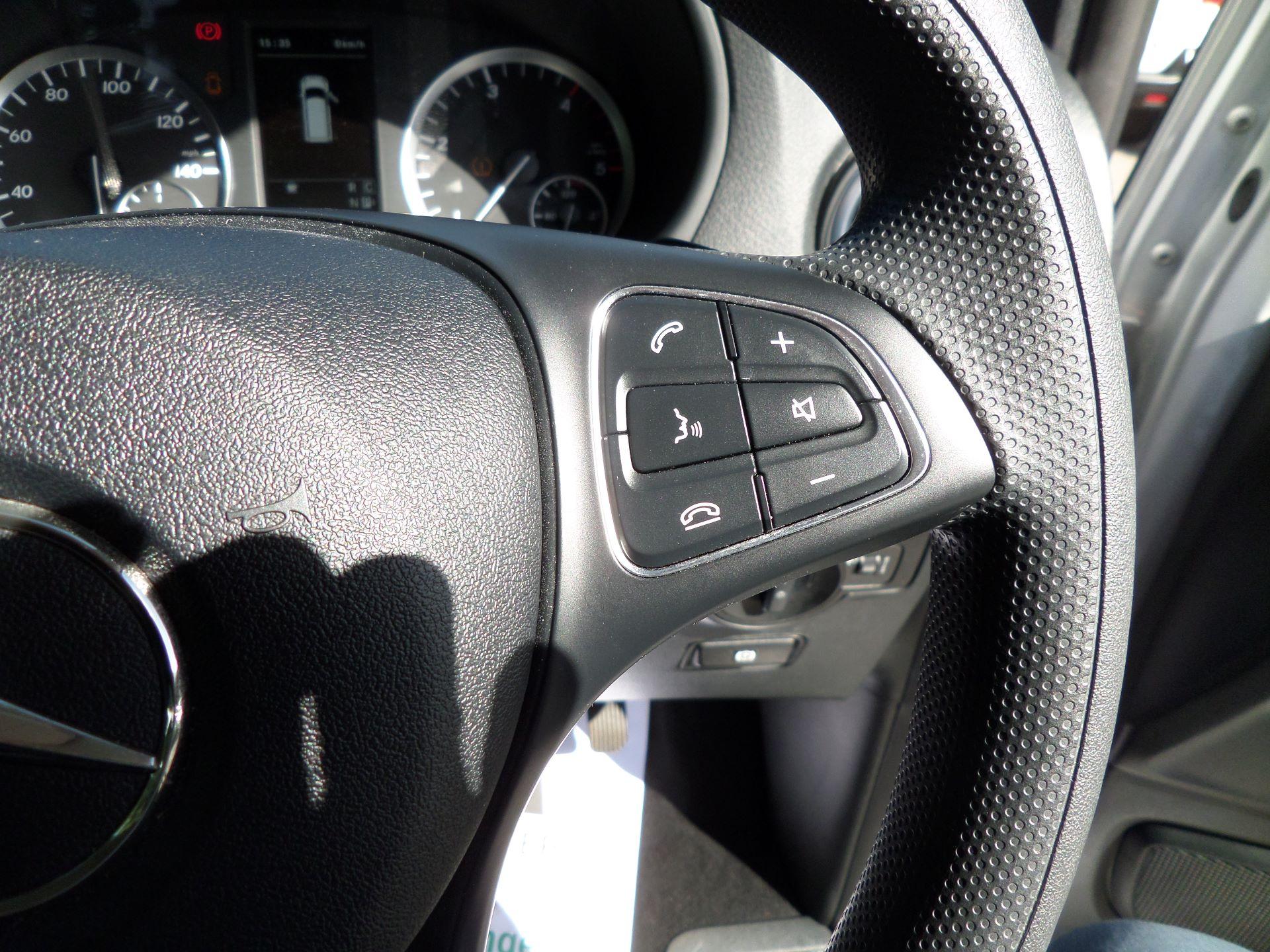 2019 Mercedes-Benz Vito 119 Bluetec Select 9-Seater 7G-Tronic Euro 6 (KR19XWW) Image 20