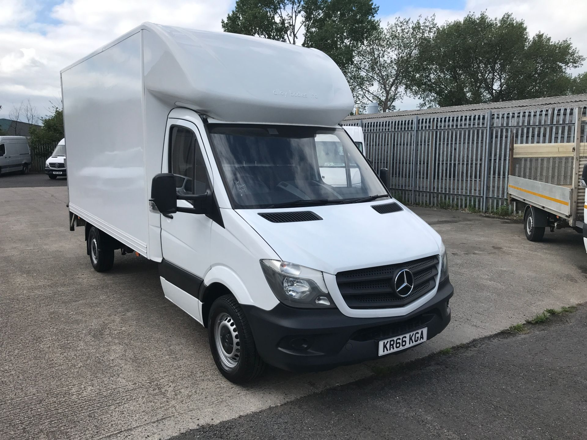 2016 Mercedes-Benz Sprinter 314CDI 13FT LUTON 140PS EURO 6 TAIL LIFT (KR66KGA)