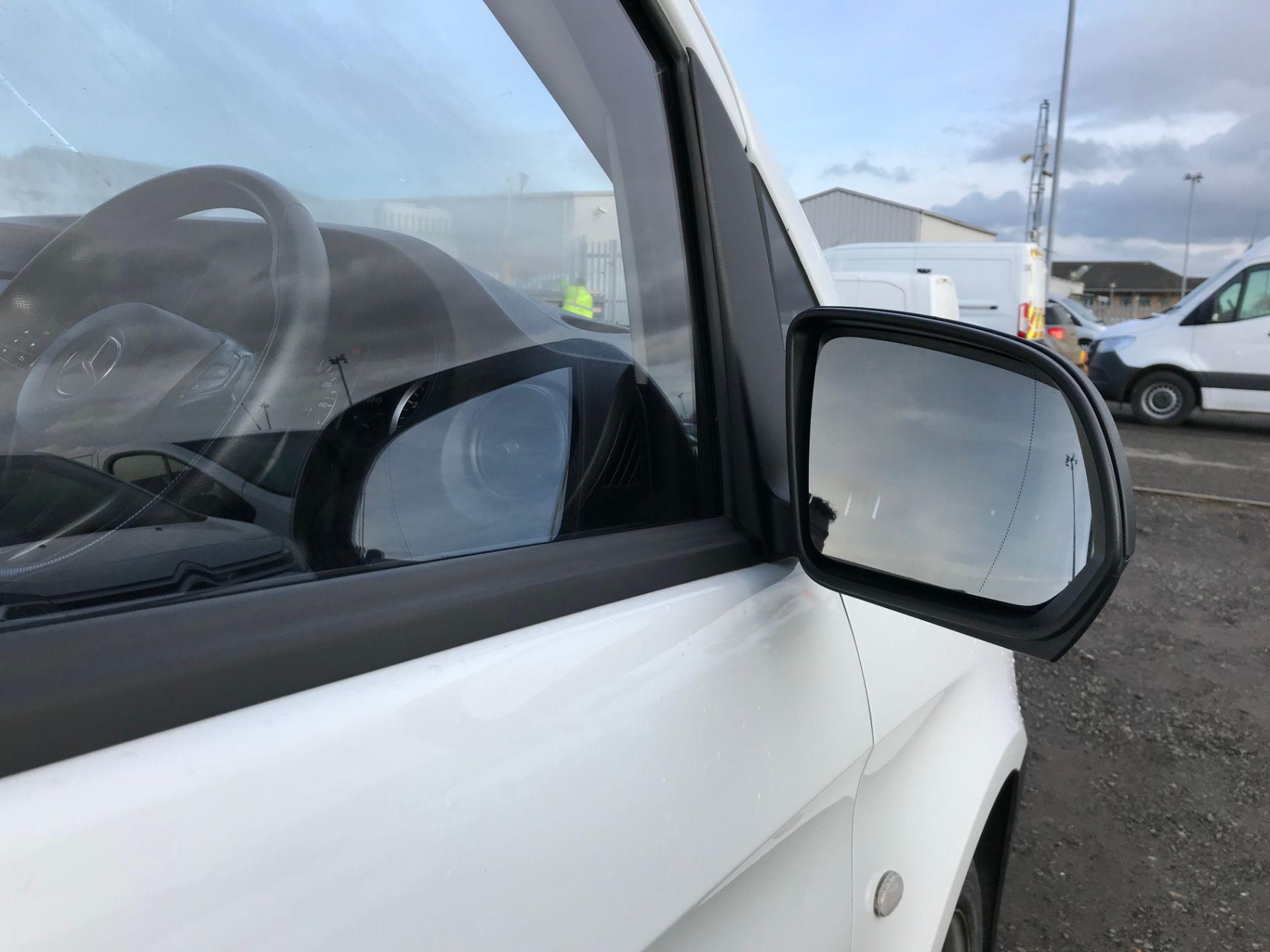 2017 Mercedes-Benz Vito 111Cdi Van (KR67ALO) Image 10