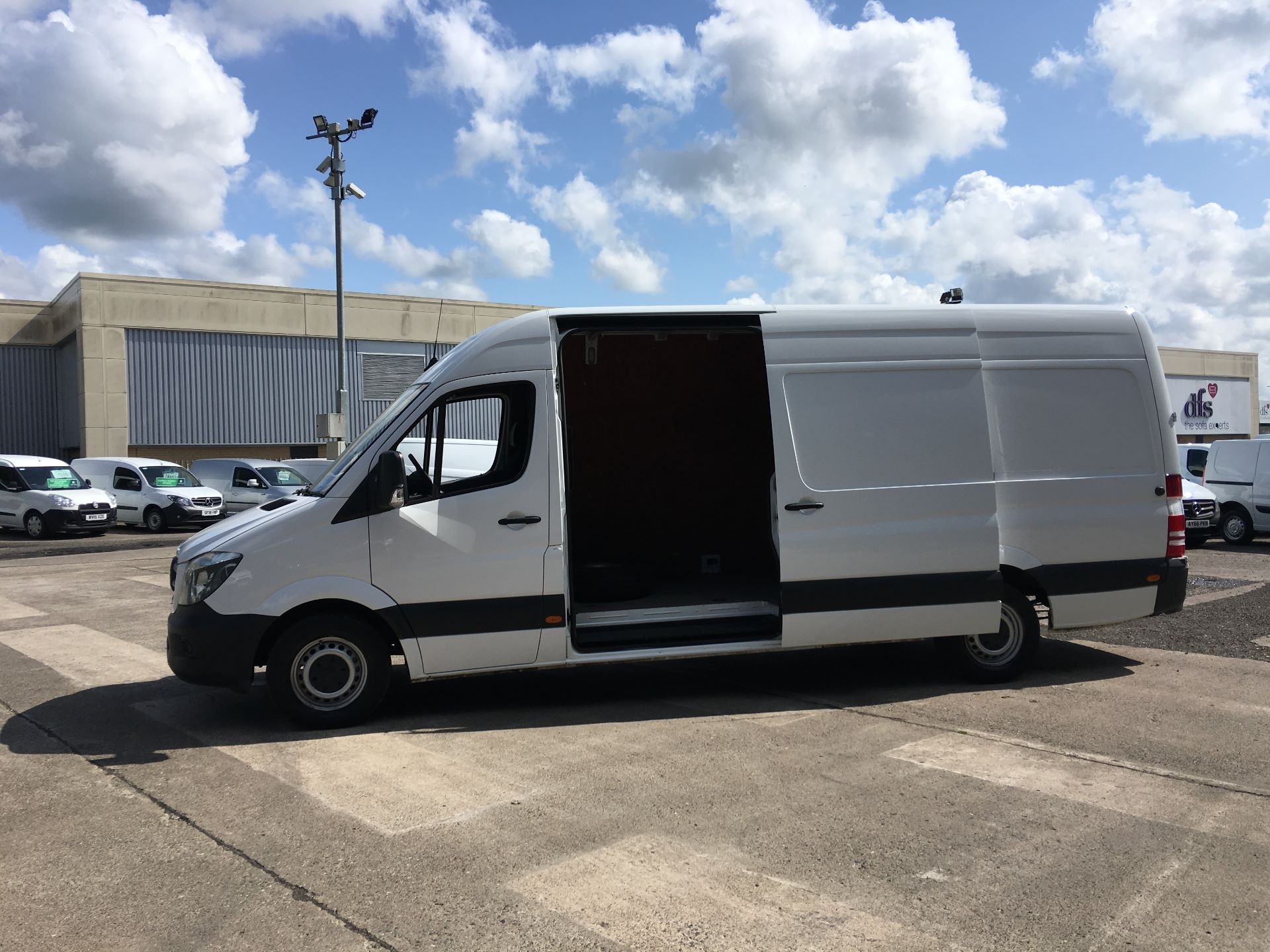 2017 Mercedes-Benz Sprinter 314 CDI LWB HIGH ROOF VAN EURO 6 (KR67VSV) Image 20