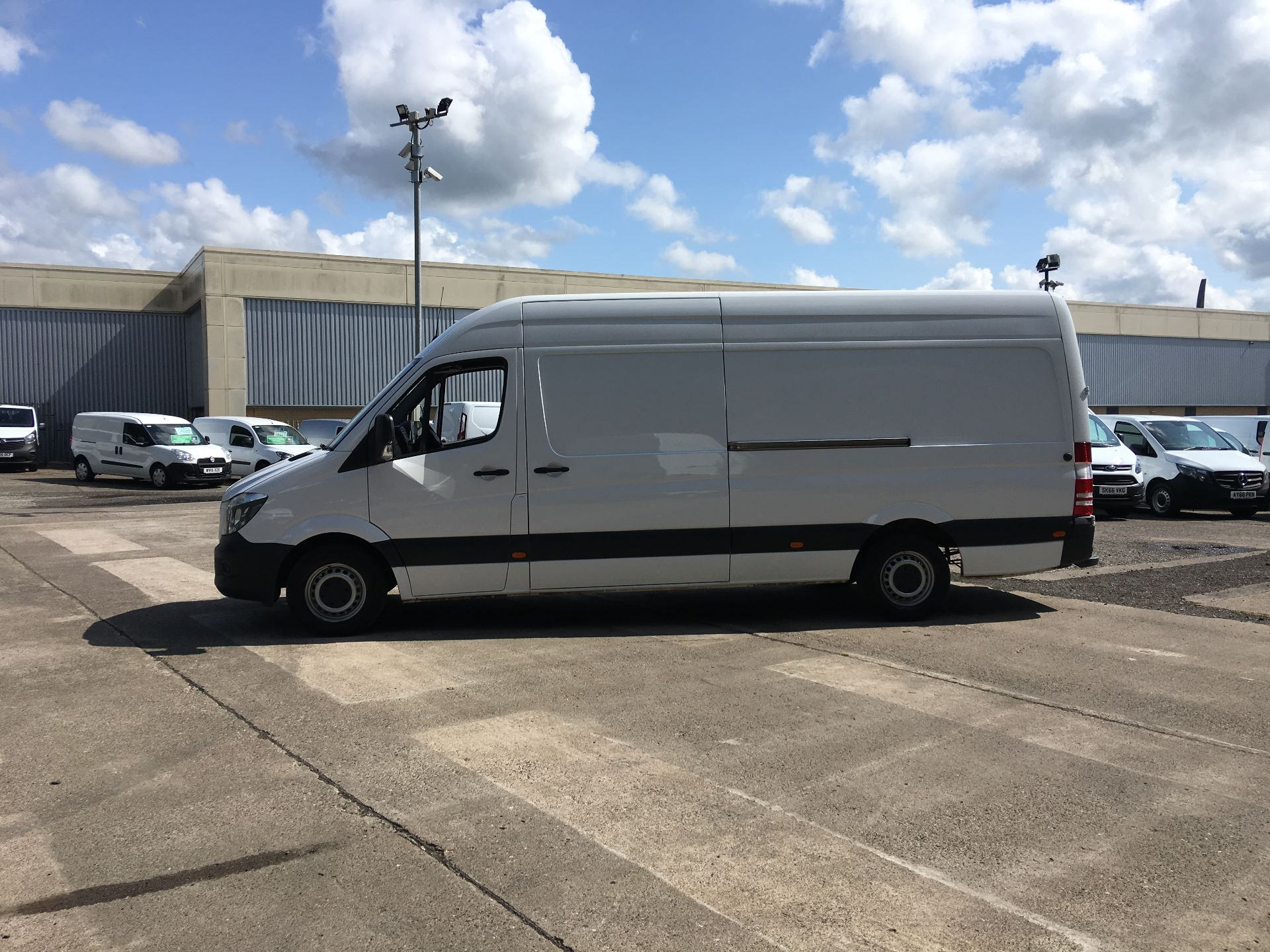 2017 Mercedes-Benz Sprinter 314 CDI LWB HIGH ROOF VAN EURO 6 (KR67VSV) Image 13