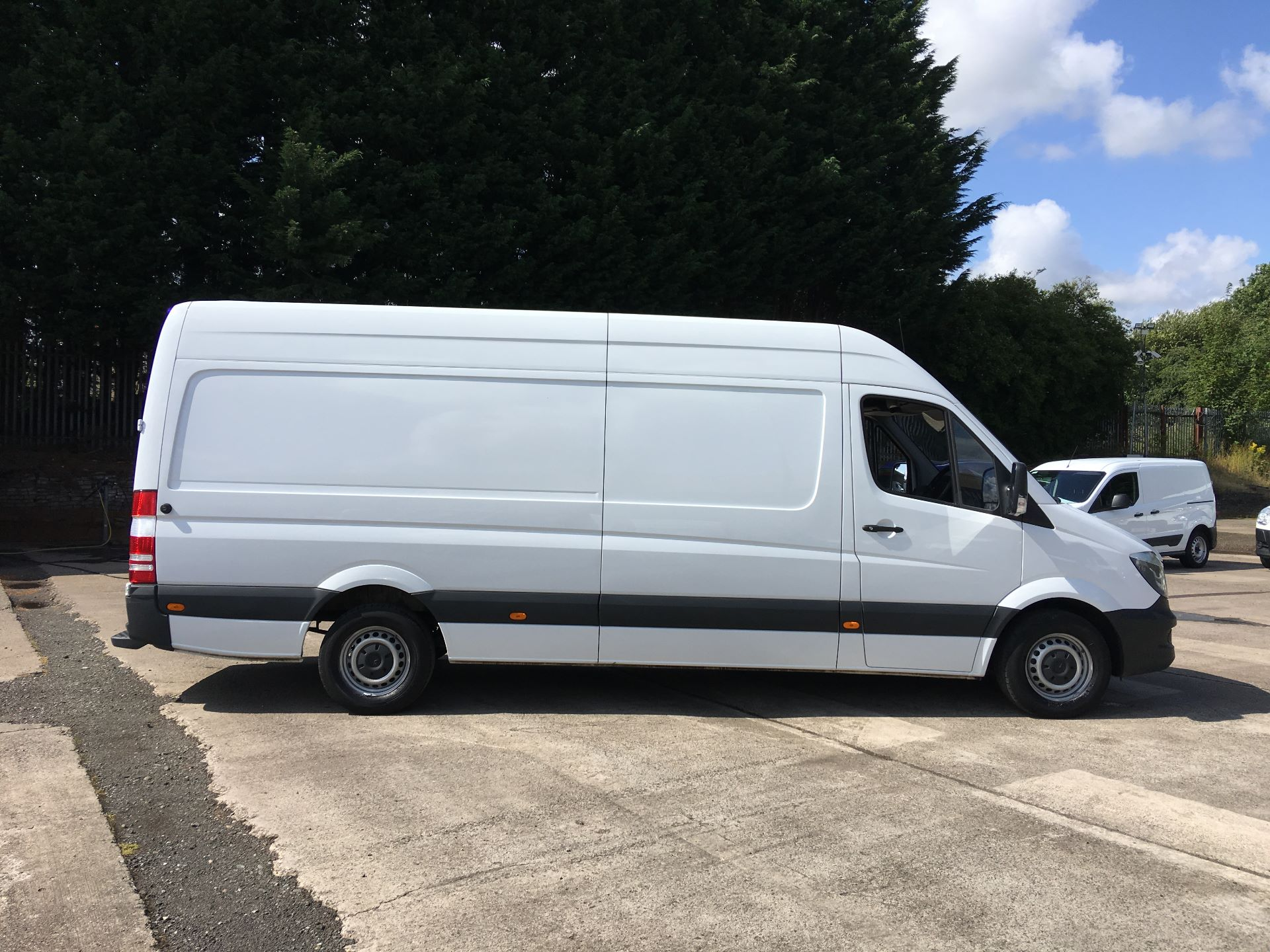 2017 Mercedes-Benz Sprinter 314 CDI LWB HIGH ROOF VAN EURO 6 (KR67VSV) Image 9