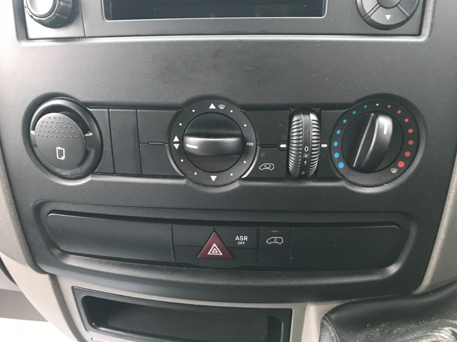 2017 Mercedes-Benz Sprinter 314 LWB LUTON EURO 6 With Tail Lift (KR67VTC) Image 28