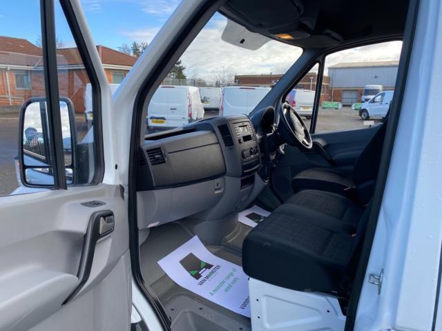 2018 Mercedes-Benz Sprinter 3.5T High Roof Van (KR67VZF) Image 14