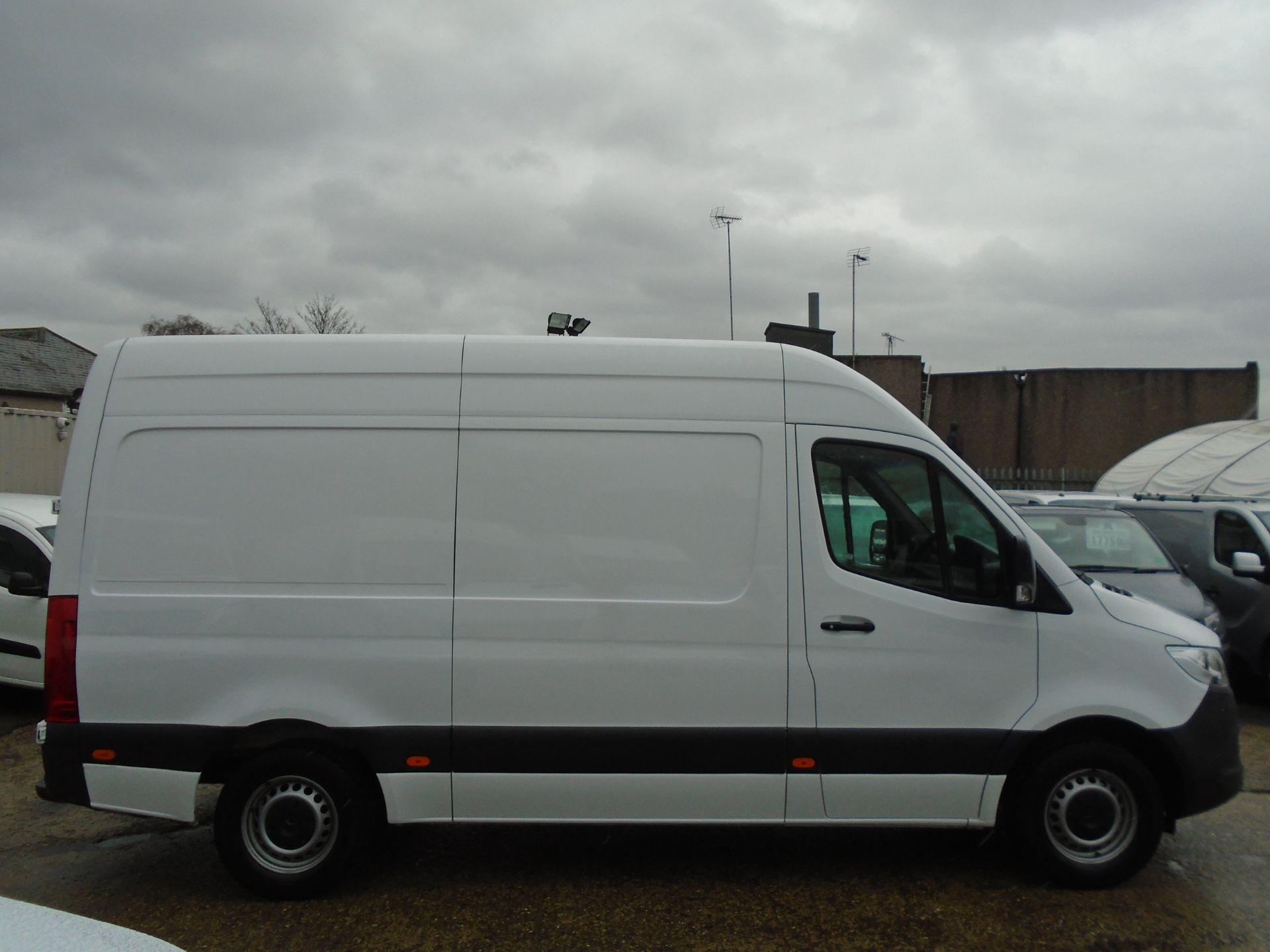 2019 Mercedes-Benz Sprinter 3.5T H2 Van *EURO 6* MWB (KR69AVY) Image 8