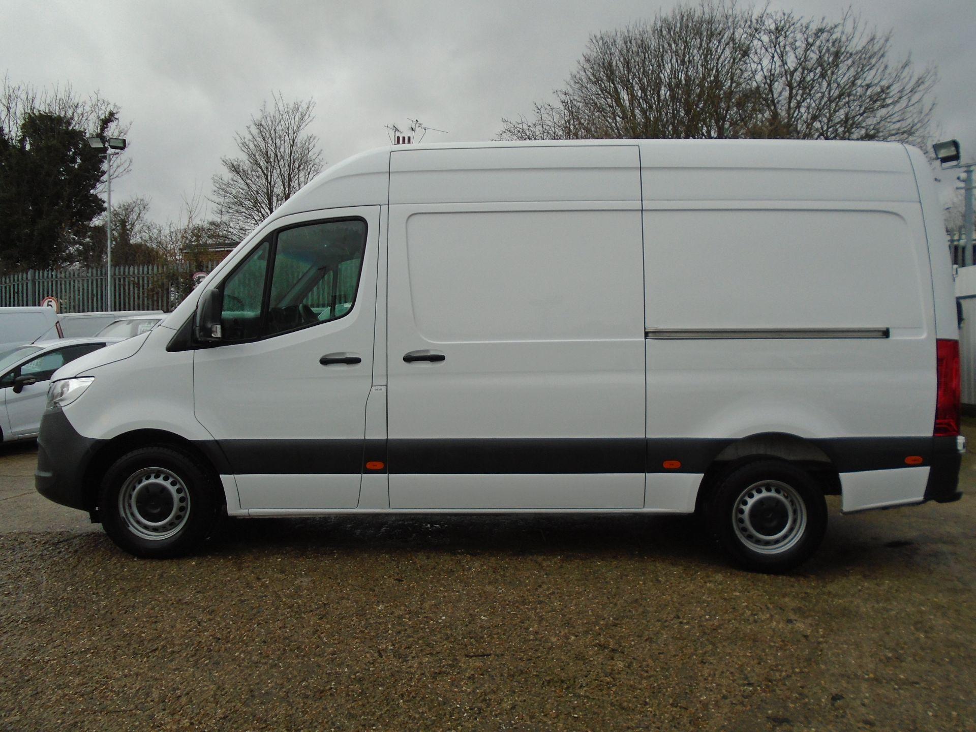 2019 Mercedes-Benz Sprinter 3.5T H2 Van *EURO 6* MWB (KR69AVY) Image 7
