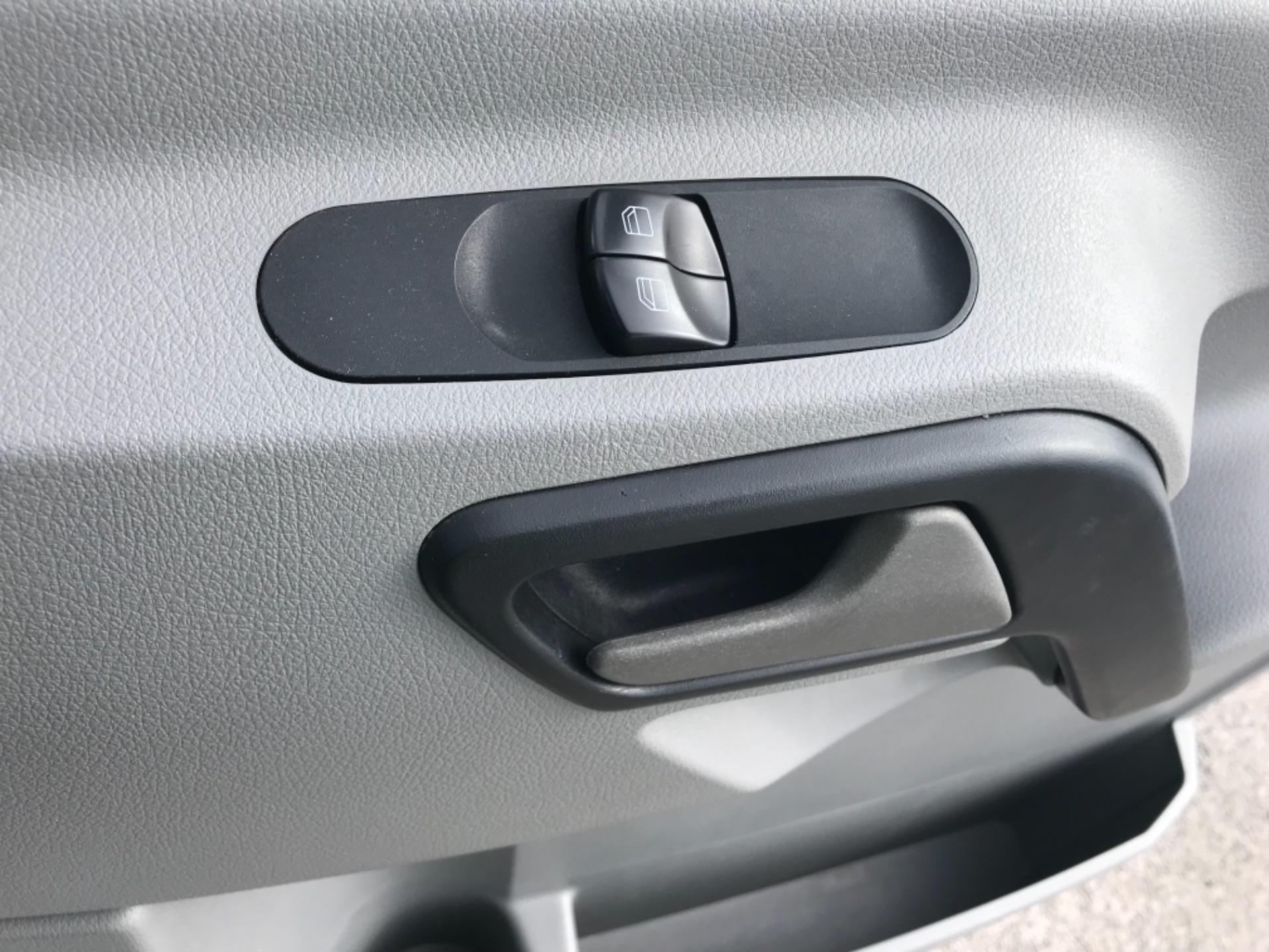 2018 Mercedes-Benz Sprinter  314 LWB H/R VAN EURO 6 (KS18GCV) Image 16