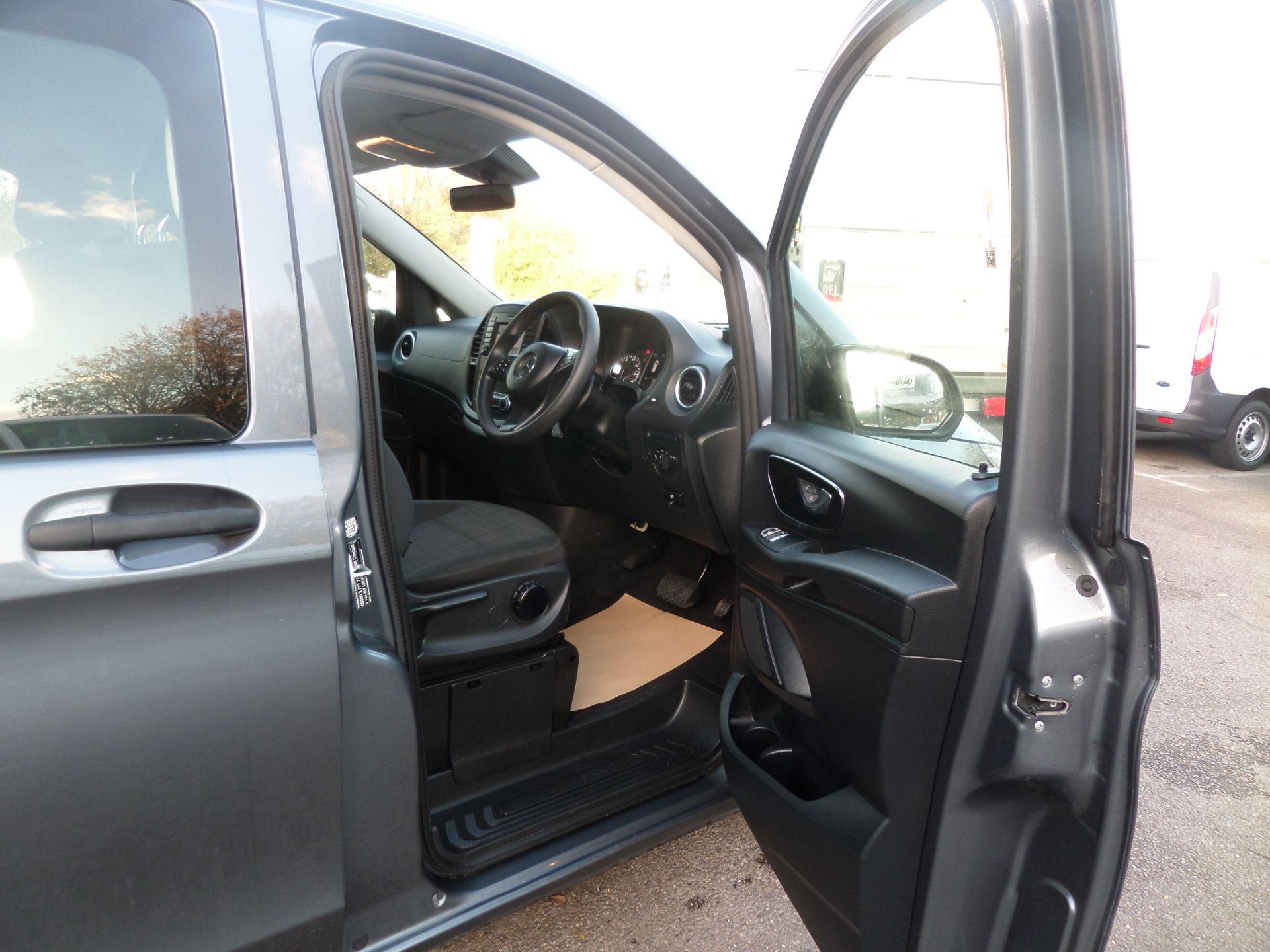 2018 Mercedes-Benz Vito 119 Bluetec Tourer Select 8 Seats Euro 6 (KS18GTY) Image 14