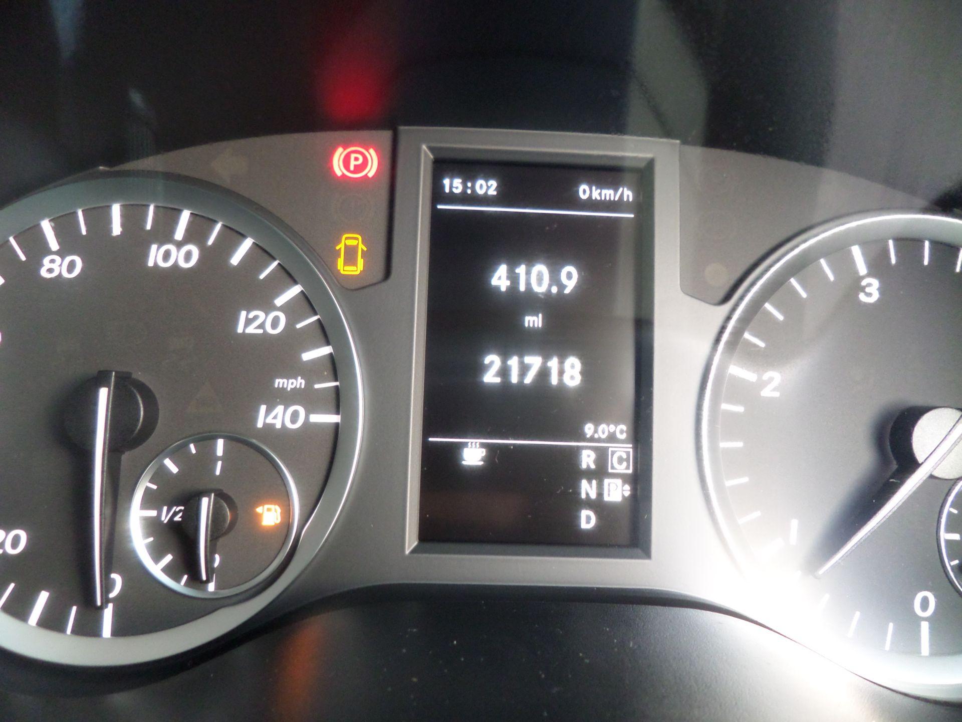 2018 Mercedes-Benz Vito 119 Bluetec Tourer Select 8 Seats Euro 6 (KS18GTY) Image 17