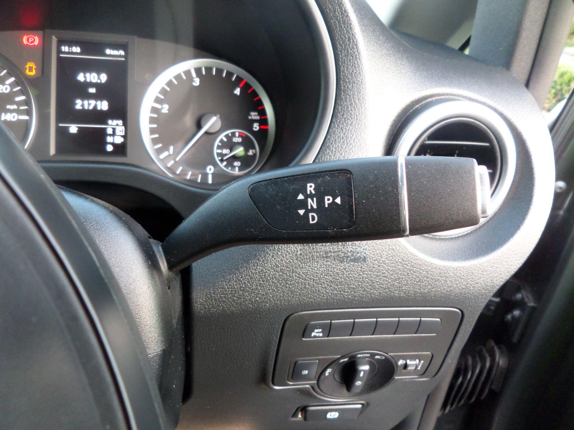 2018 Mercedes-Benz Vito 119 Bluetec Tourer Select 8 Seats Euro 6 (KS18GTY) Image 20