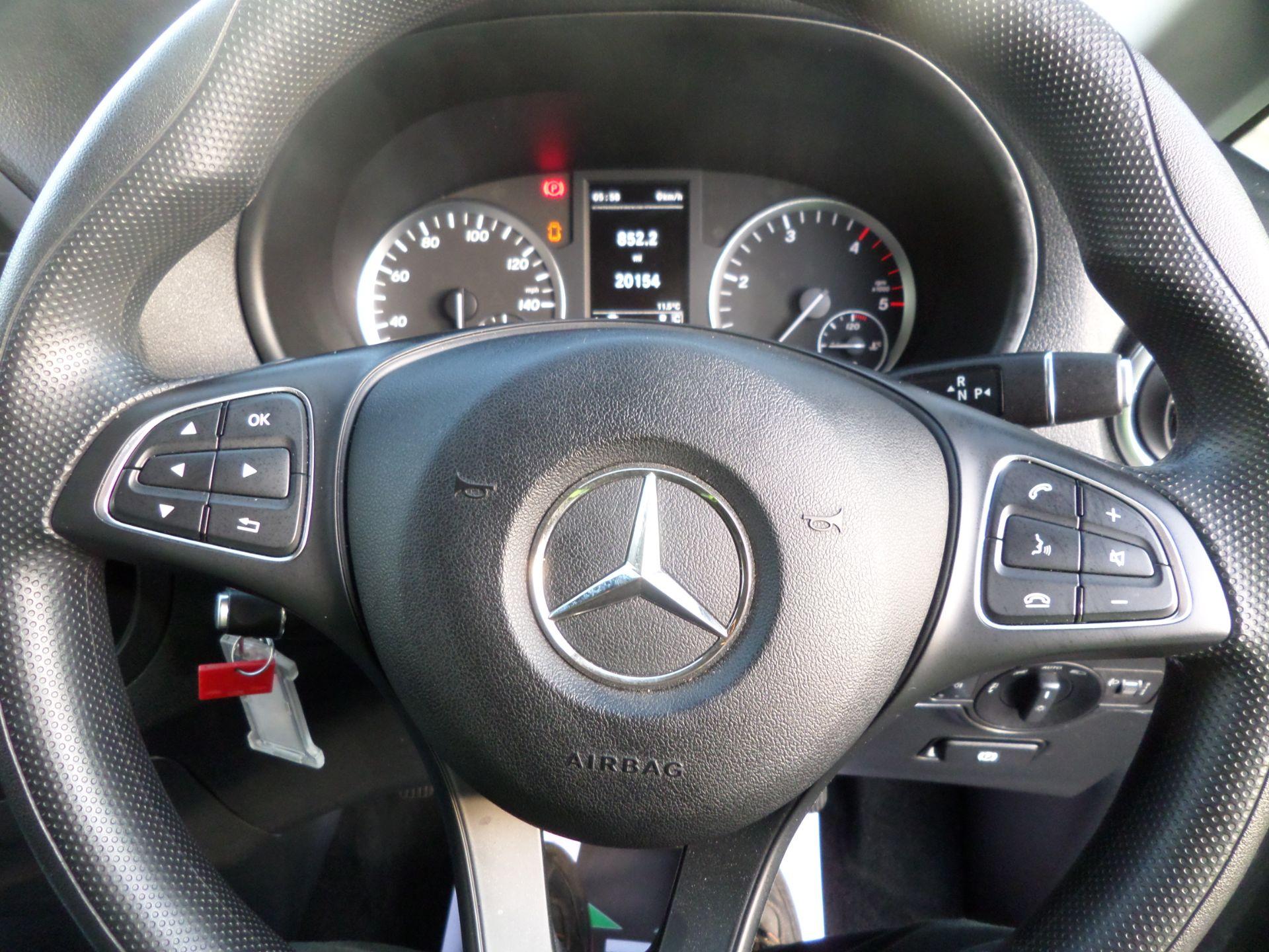 2018 Mercedes-Benz Vito 119 Bluetec Tourer Select 8 Seats Euro 6 (KS18GVF) Image 17