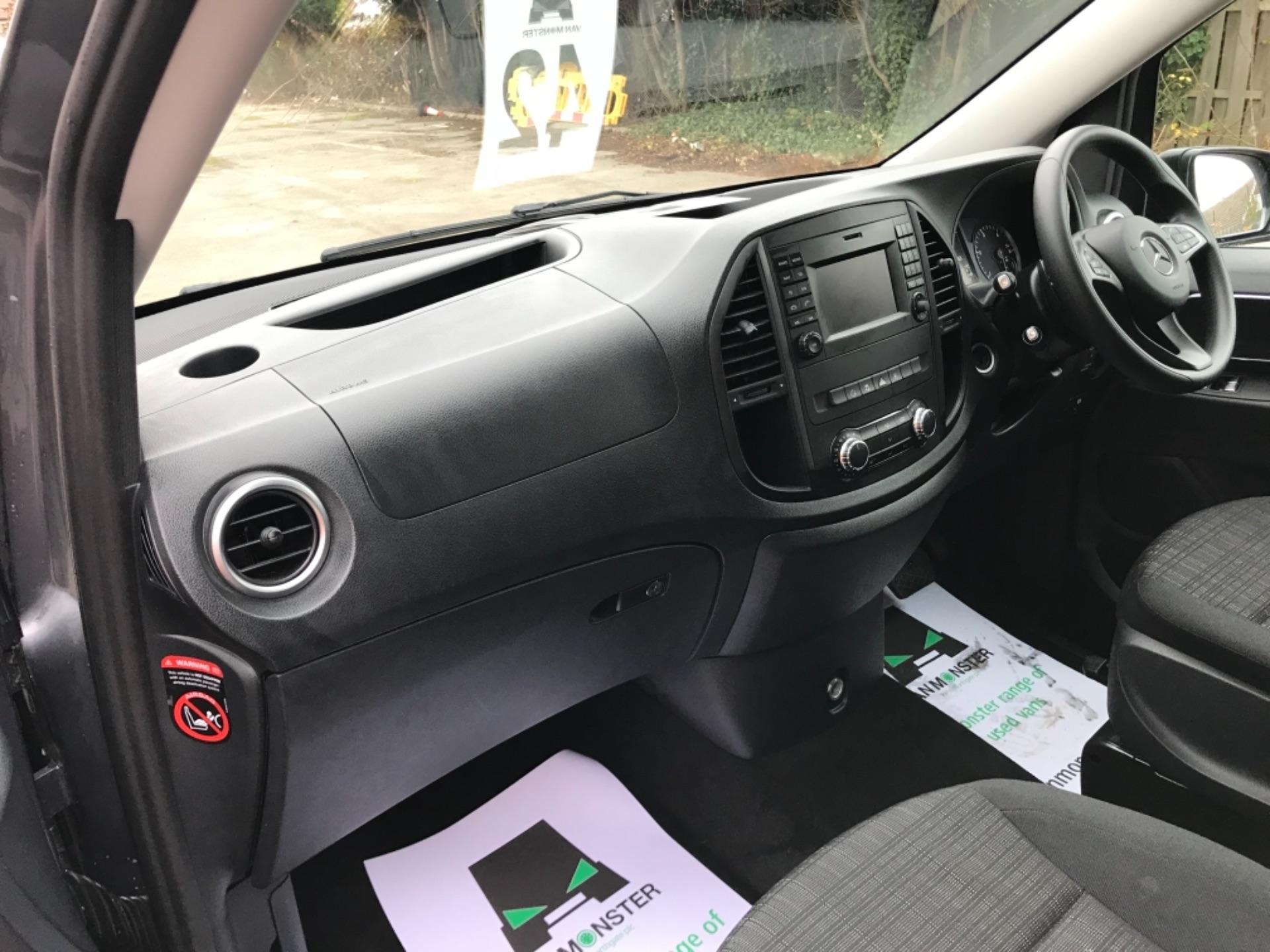 2018 Mercedes-Benz Vito 119 Bluetec Tourer Select 8 Seater (KS18GVZ) Image 23
