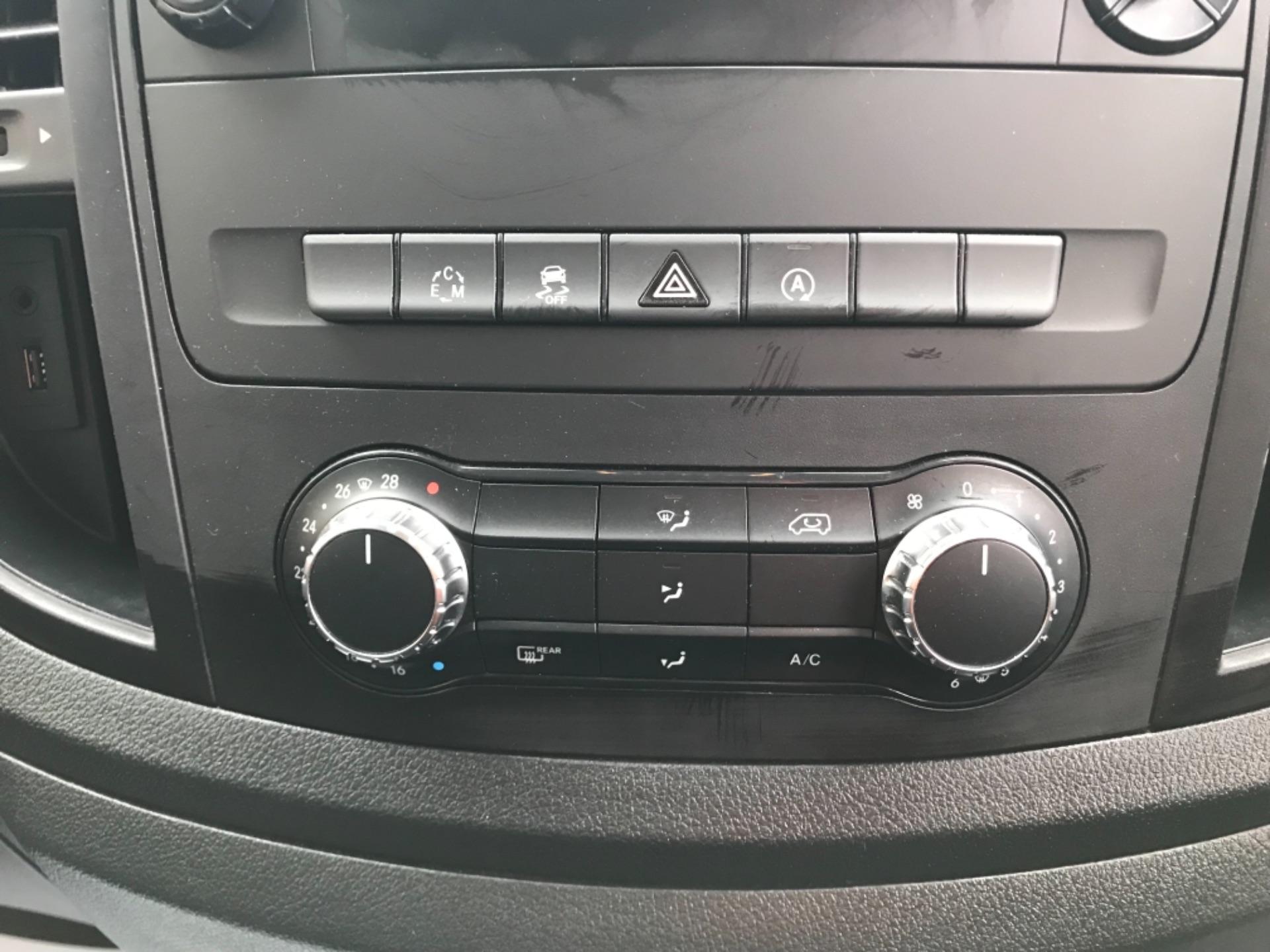 2018 Mercedes-Benz Vito 119 Bluetec Tourer Select 8 Seater (KS18GVZ) Image 21