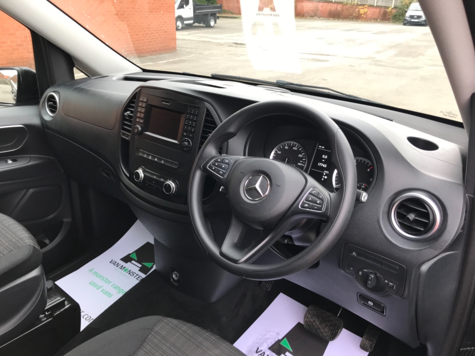 2018 Mercedes-Benz Vito 119 Bluetec Tourer Select 8 Seater (KS18GVZ) Image 10