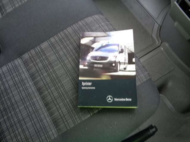 2016 Mercedes-Benz Sprinter 3.5T Luton (KS65OYB) Image 10