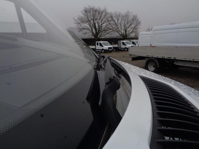 2016 Mercedes-Benz Sprinter 3.5T Luton (KS65OYB) Image 15