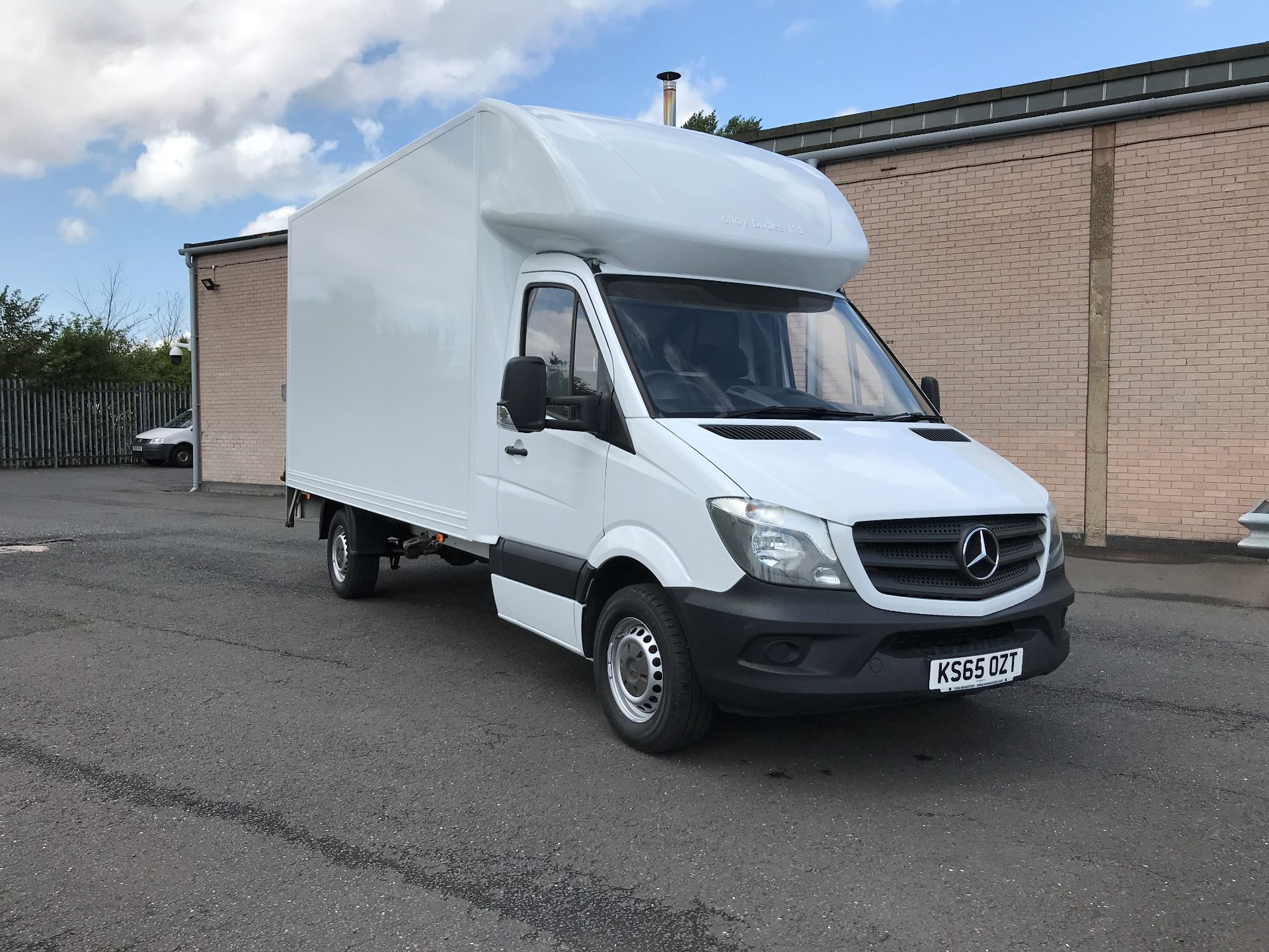 2016 Mercedes-Benz Sprinter 313CDI 13FT LUTON 130PS TAIL LIFT (KS65OZT)