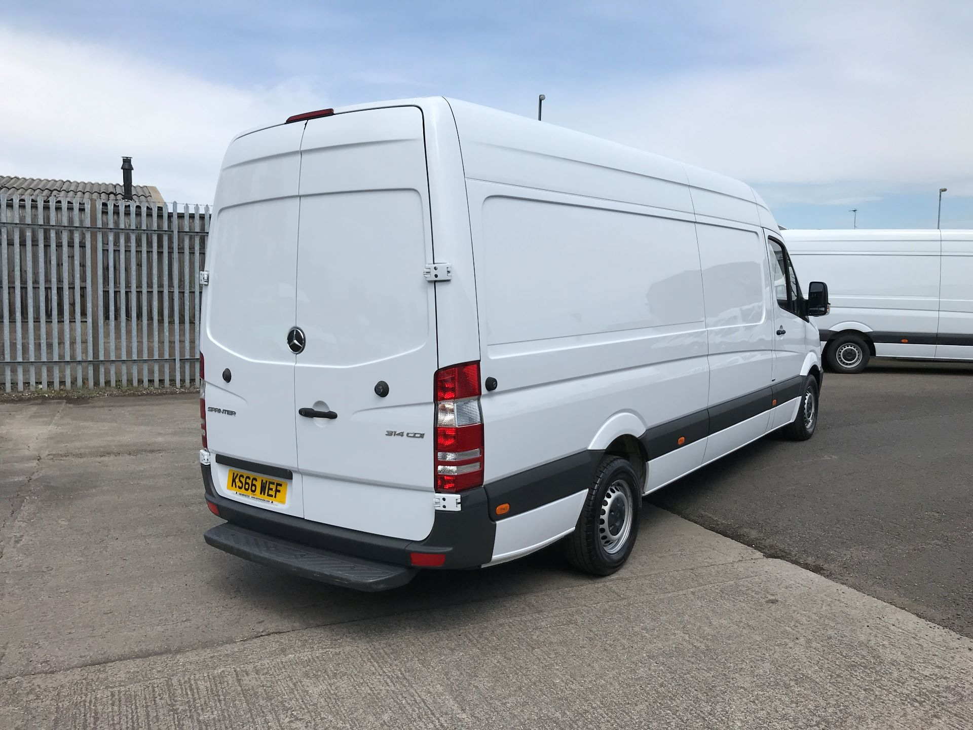 2016 Mercedes-Benz Sprinter 314CDI LWB HIGH ROOF 140PS EURO 6 (KS66WEF) Image 4