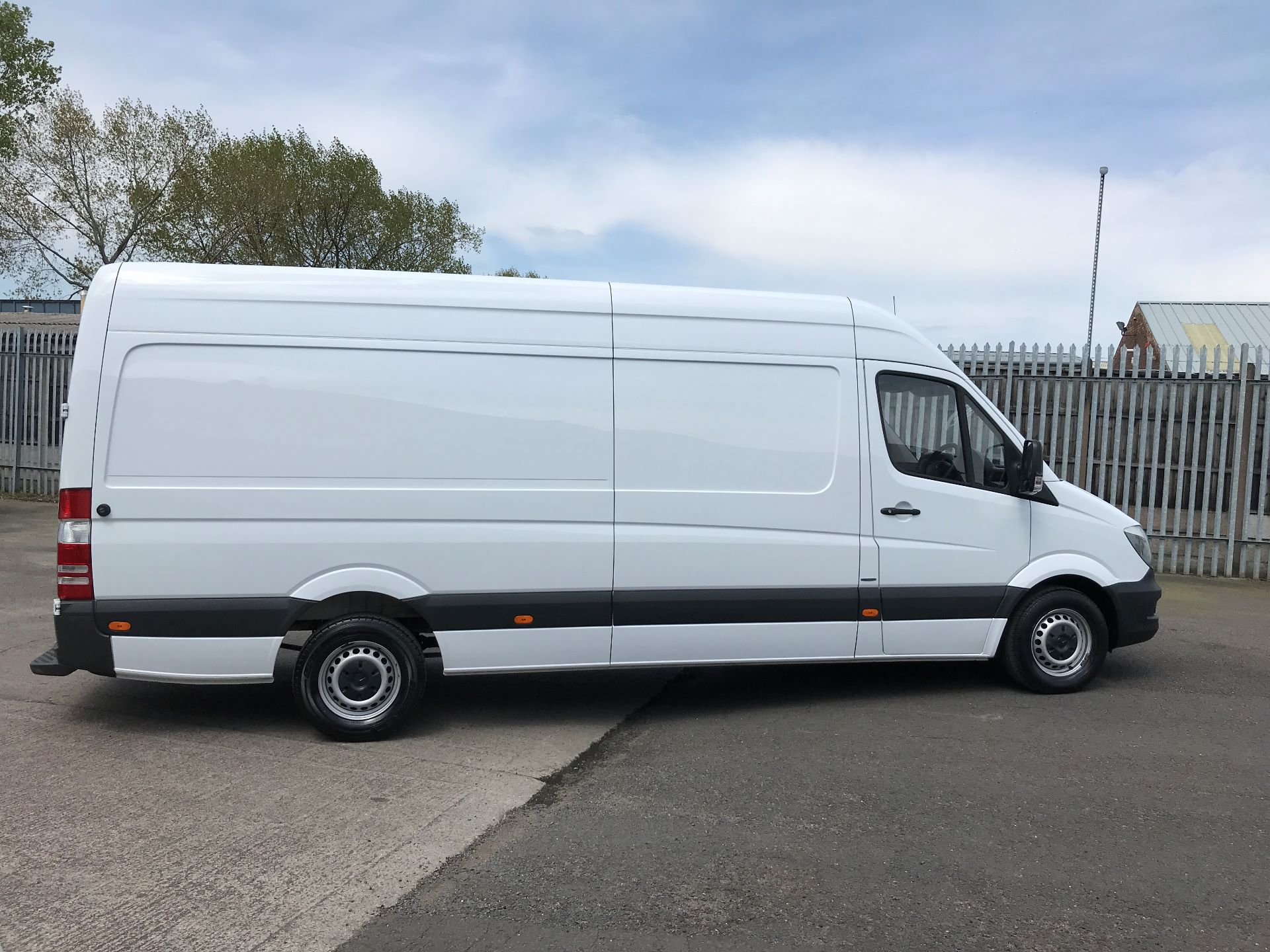 2016 Mercedes-Benz Sprinter 314CDI LWB HIGH ROOF 140PS EURO 6 (KS66WEF) Image 3
