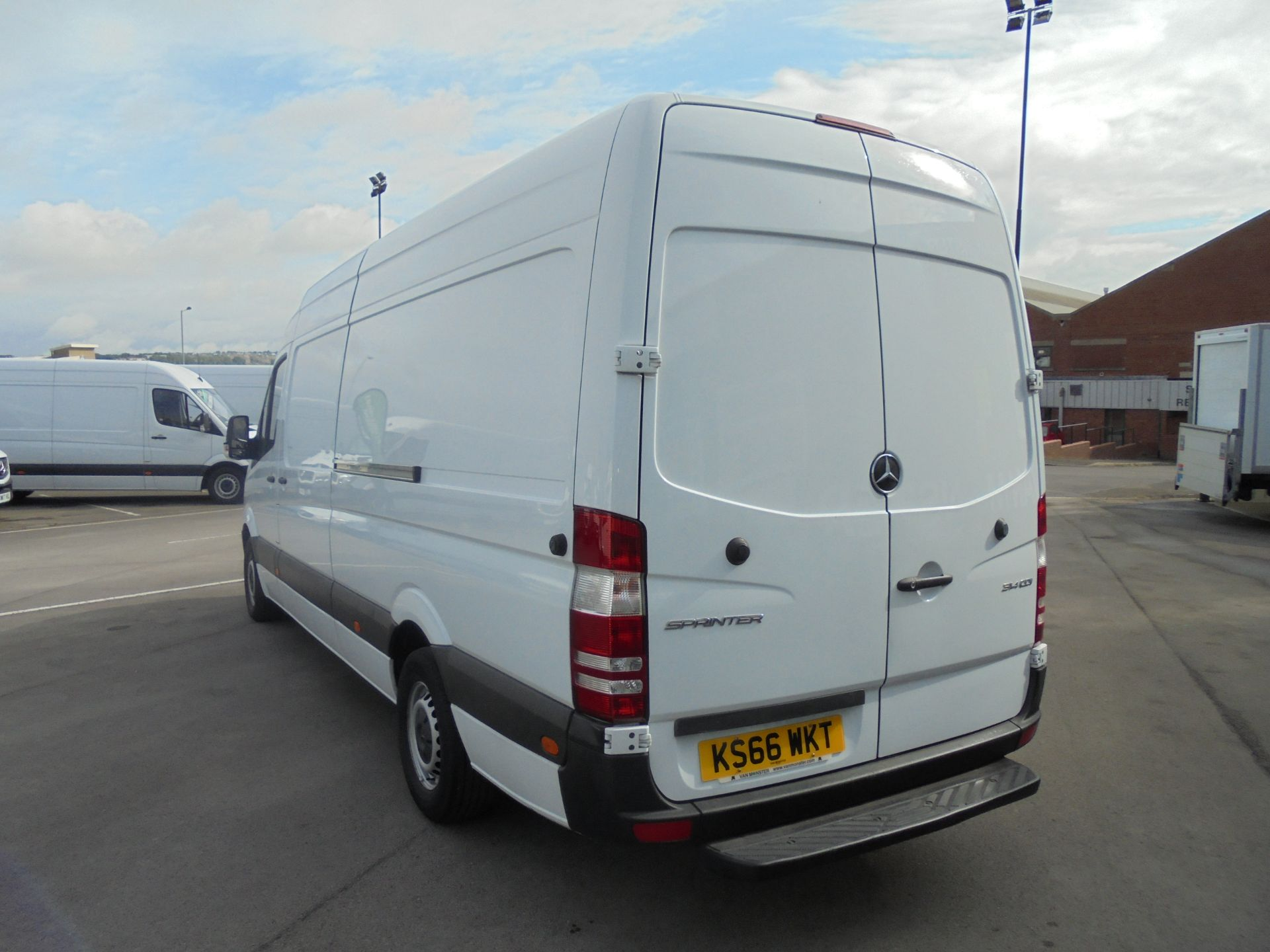 2016 Mercedes-Benz Sprinter 3.5T High Roof Van (KS66WKT) Image 5