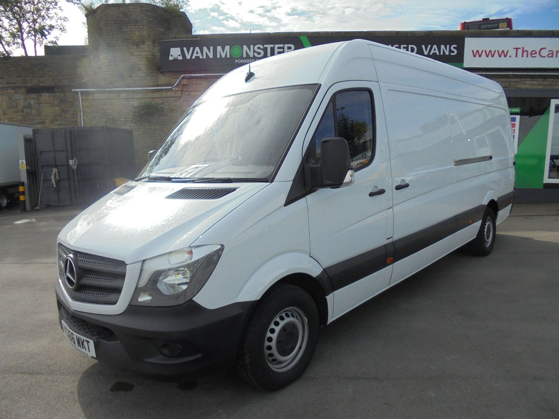 2016 Mercedes-Benz Sprinter 3.5T High Roof Van (KS66WKT) Image 3