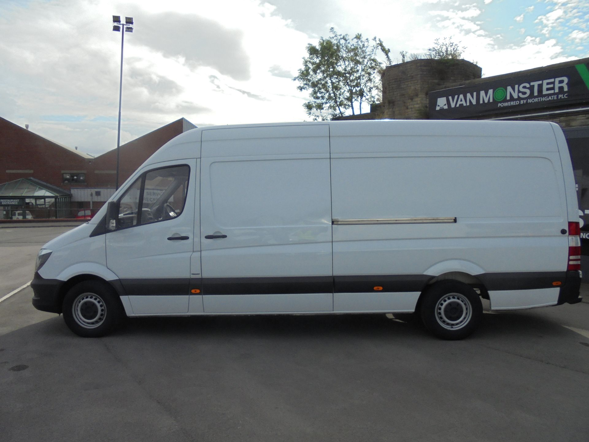 2016 Mercedes-Benz Sprinter 3.5T High Roof Van (KS66WKT) Image 4