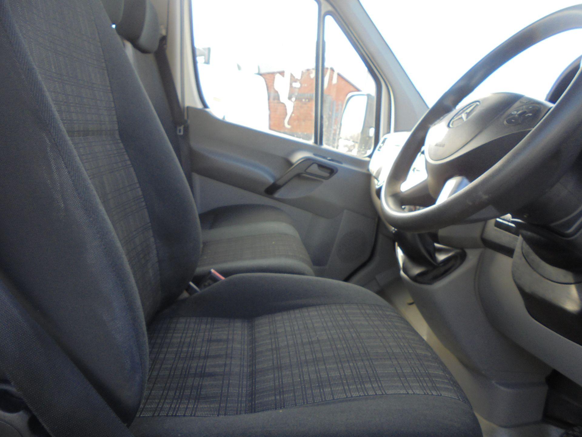 2018 Mercedes-Benz Sprinter Single cab Flatbed  (KS67KFP) Image 11