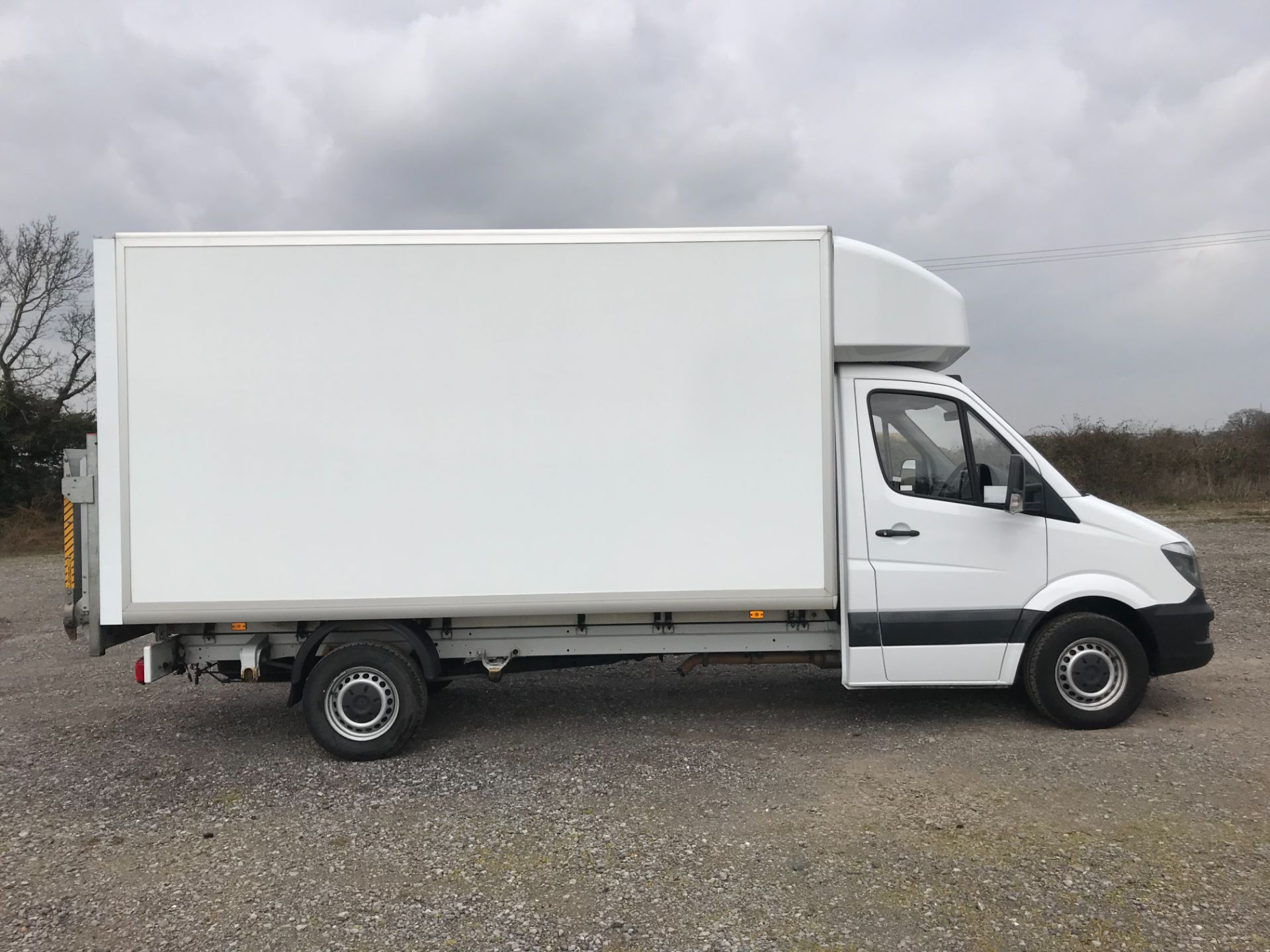 2017 Mercedes-Benz Sprinter 314 LWB LUTON EURO 6 With Tail Lift (KS67KTK) Image 8
