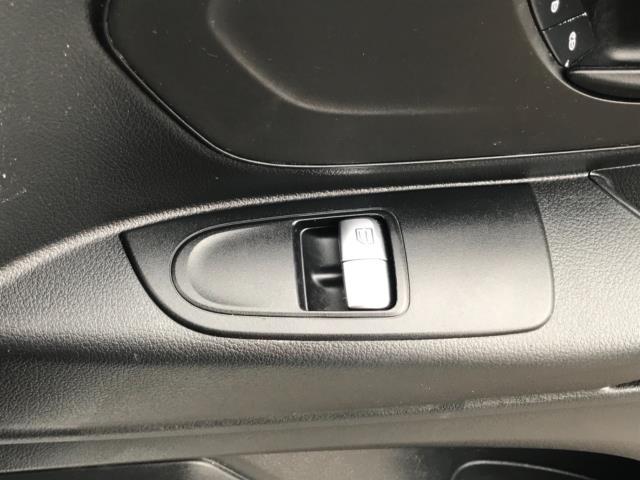 2017 Mercedes-Benz Vito 109 Cdi Van Euro 6 (KT17LVH) Image 19