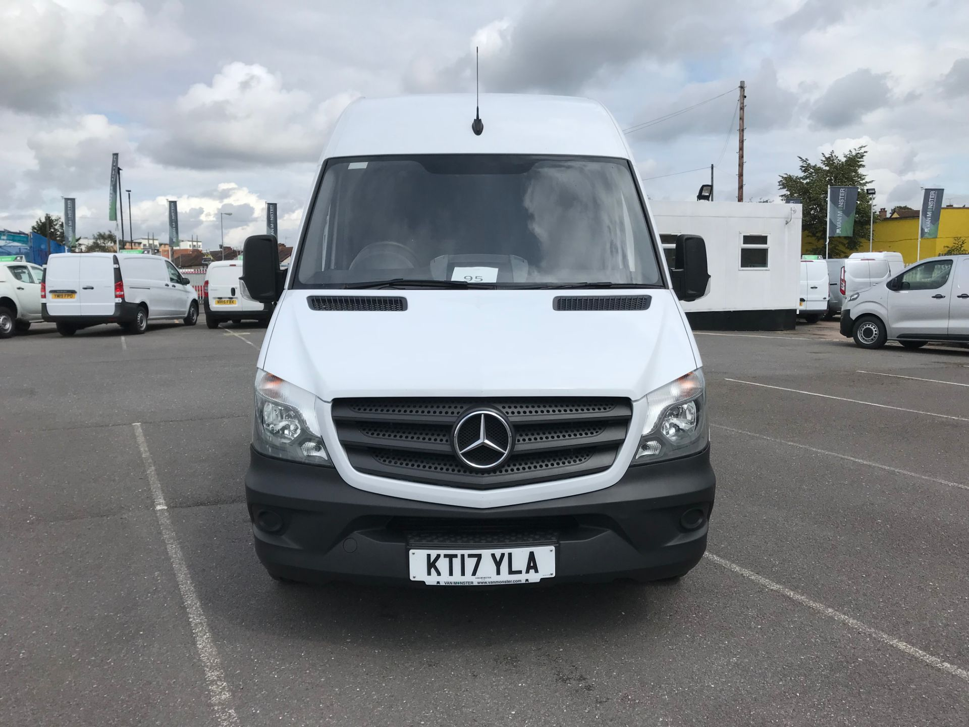 2017 Mercedes-Benz Sprinter  314 LWB H/R VAN EURO 6 *CONDITION REFLECTED IN PRICE* (KT17YLA) Image 3