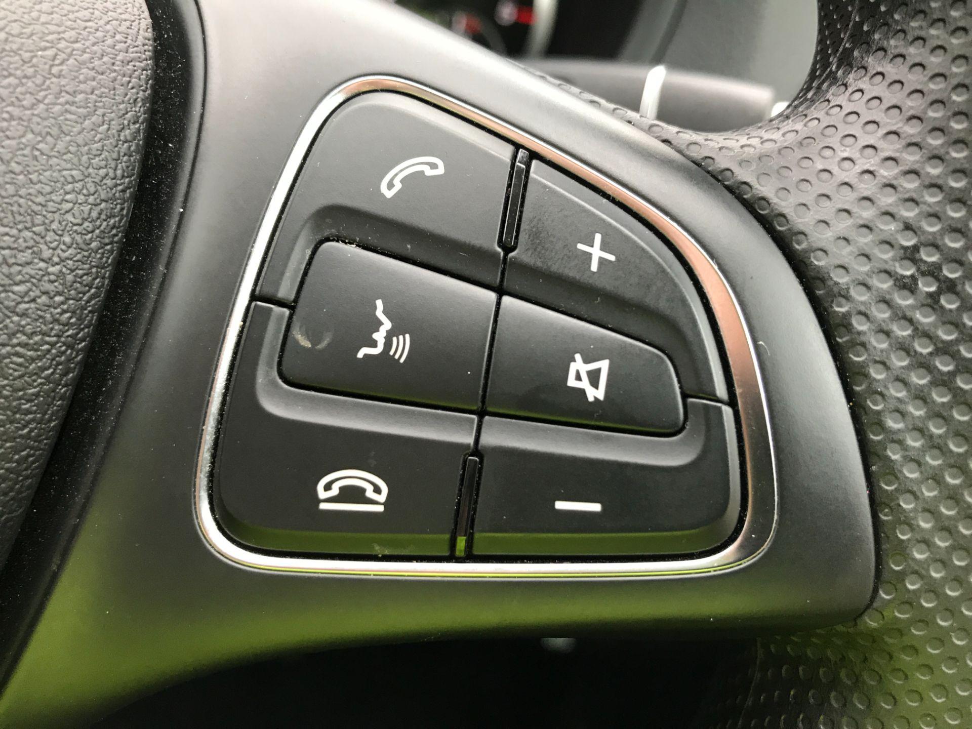 2018 Mercedes-Benz Vito 119CDI XLWB BLUETEC TOURER SELECT EURO 6 AUTOMATIC (KT18AEM) Image 26