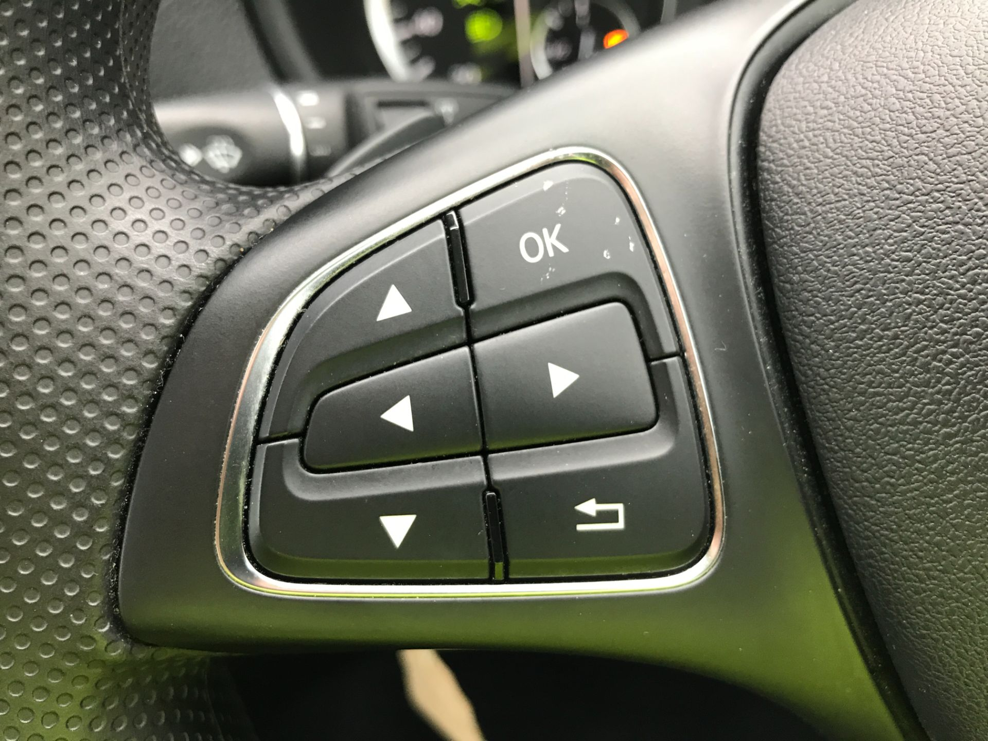 2018 Mercedes-Benz Vito 119CDI XLWB BLUETEC TOURER SELECT EURO 6 AUTOMATIC (KT18AEM) Image 25