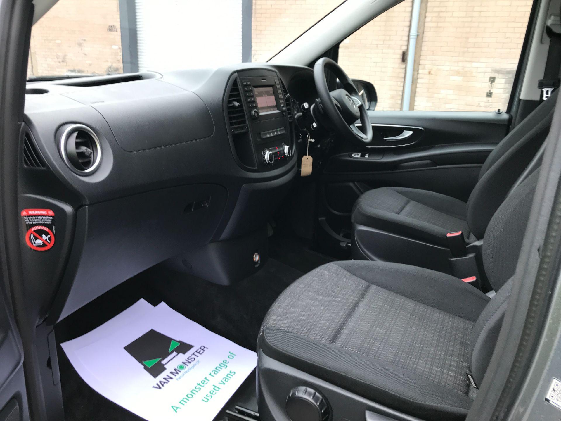 2018 Mercedes-Benz Vito 119CDI XLWB BLUETEC TOURER SELECT EURO 6 AUTOMATIC (KT18AEM) Image 11