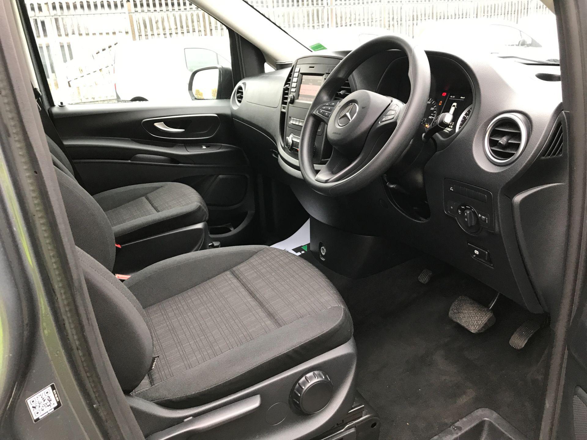 2018 Mercedes-Benz Vito 119CDI XLWB BLUETEC TOURER SELECT EURO 6 AUTOMATIC (KT18AFN) Image 2