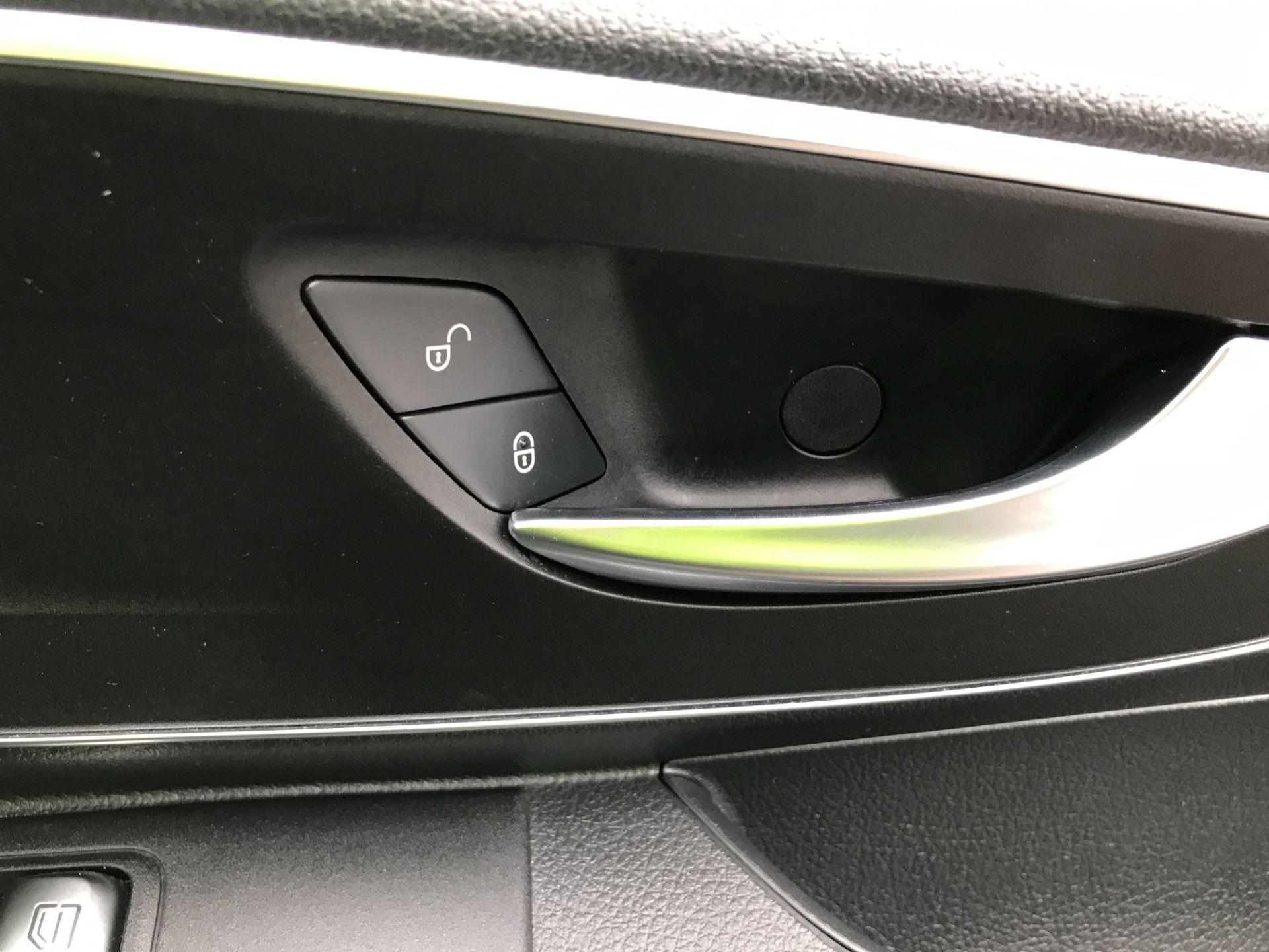 2018 Mercedes-Benz Vito 119CDI XLWB BLUETEC TOURER SELECT EURO 6 AUTOMATIC (KT18AFN) Image 30