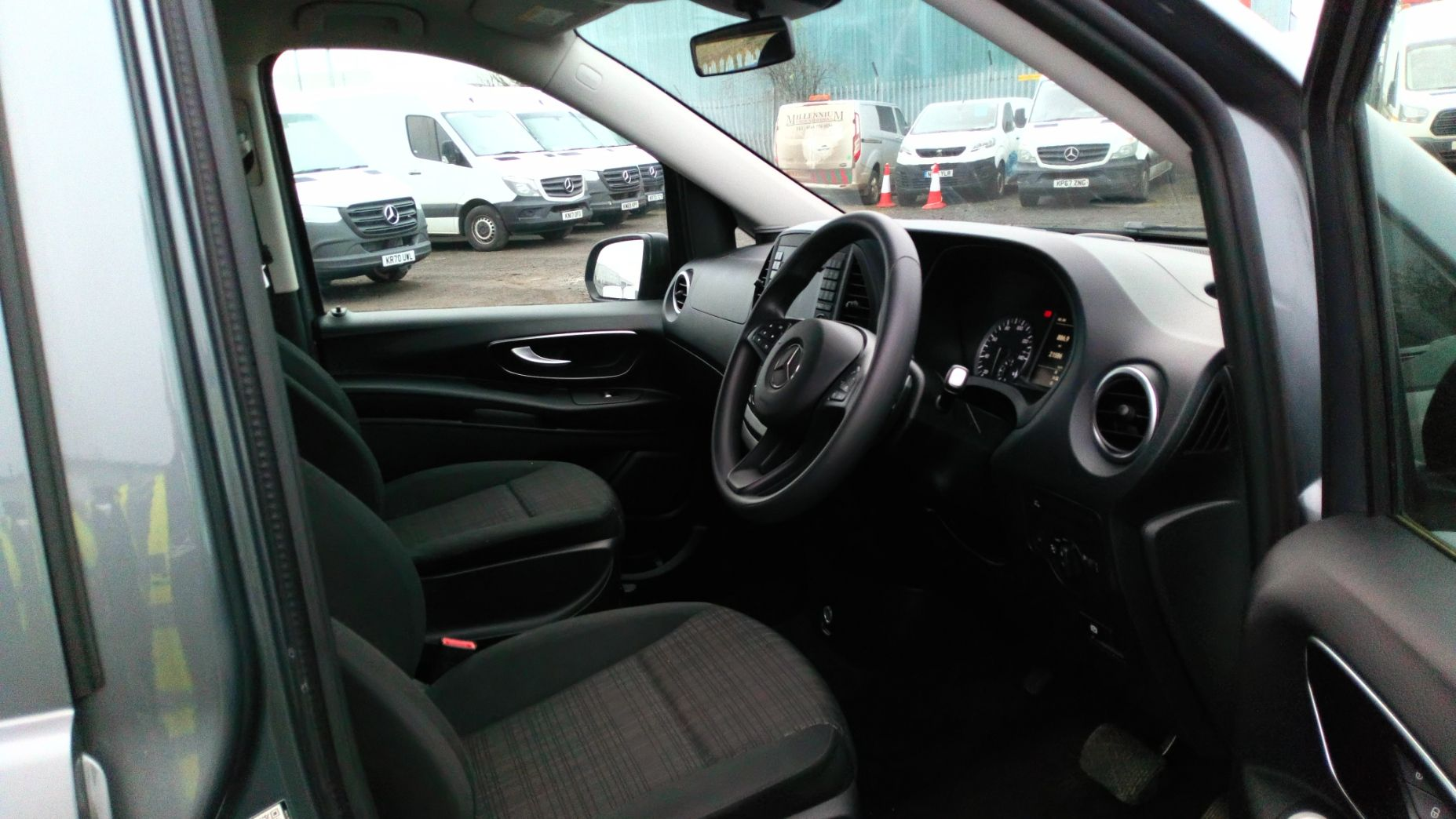 2018 Mercedes-Benz Vito 119 Bluetec Tourer Select (KT18PWZ) Image 12