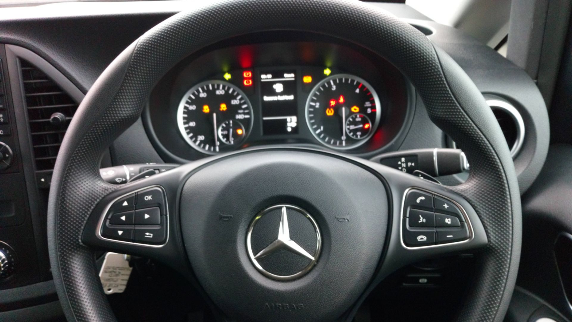 2018 Mercedes-Benz Vito 119 Bluetec Tourer Select (KT18PWZ) Image 16