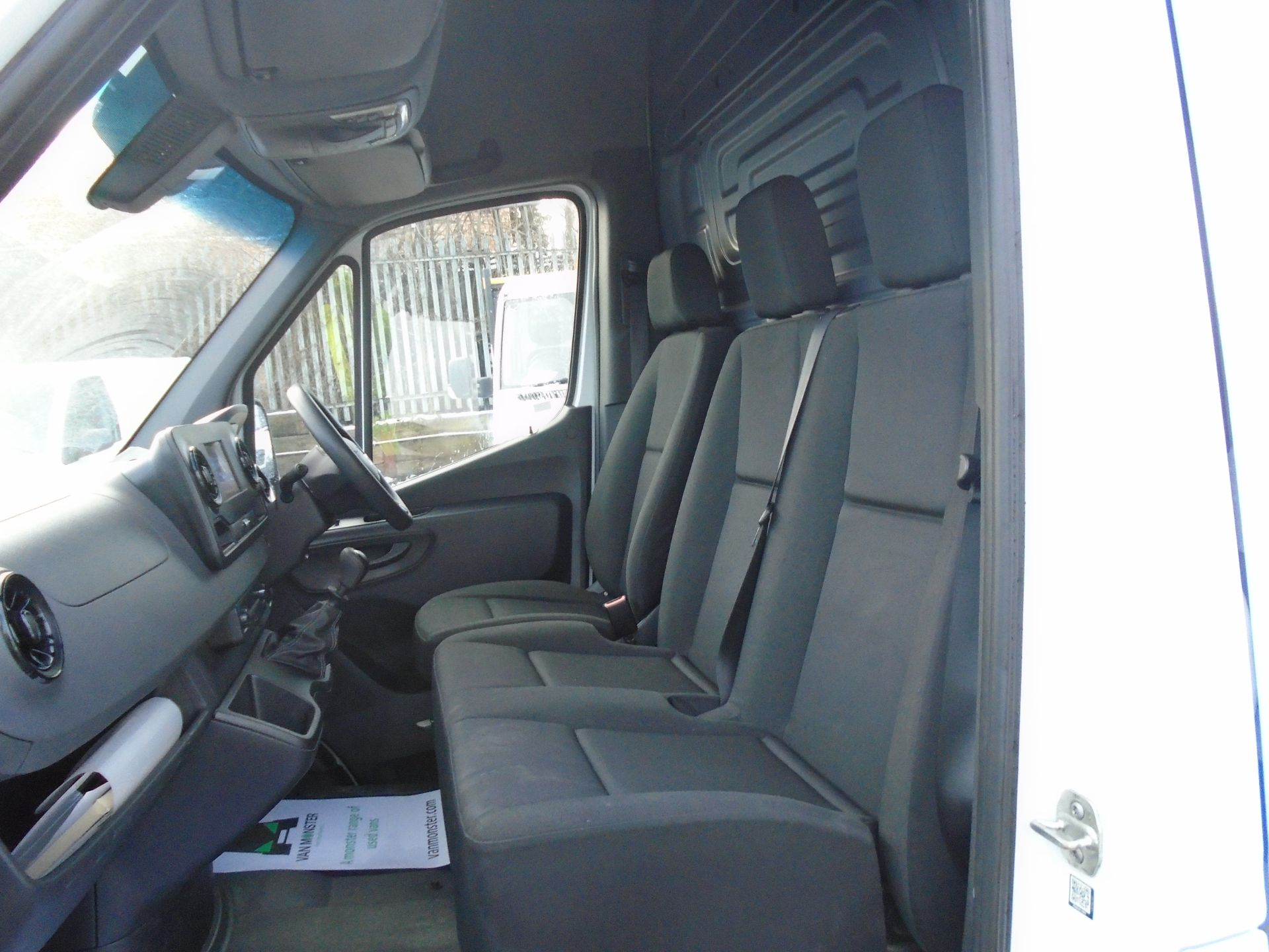 2019 Mercedes-Benz Sprinter 3.5T H2 Van *EURO 6* MWB (KT19FVO) Image 15