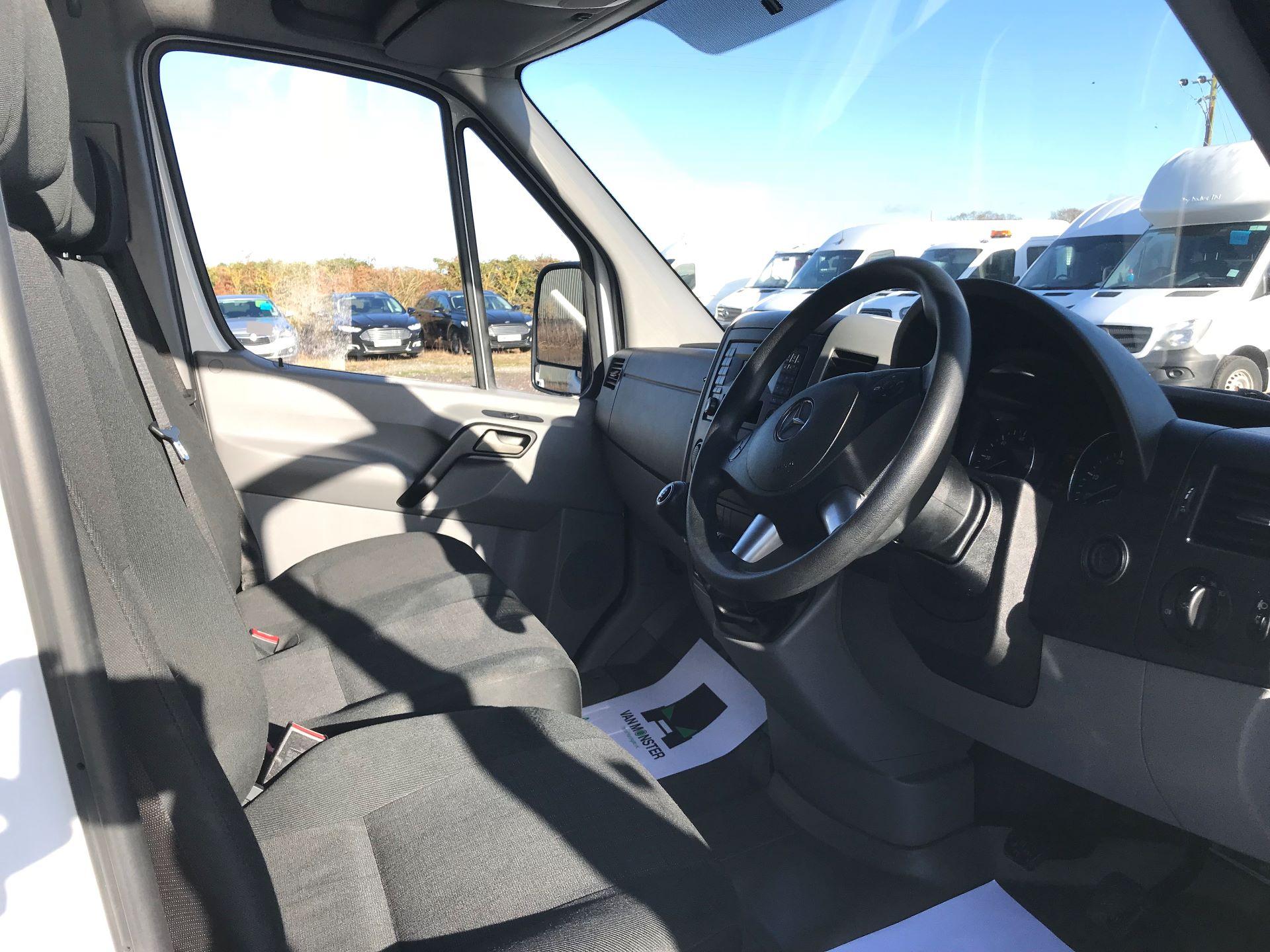 2018 Mercedes-Benz Sprinter 3.5T High Roof Van (KT67XPM) Image 22