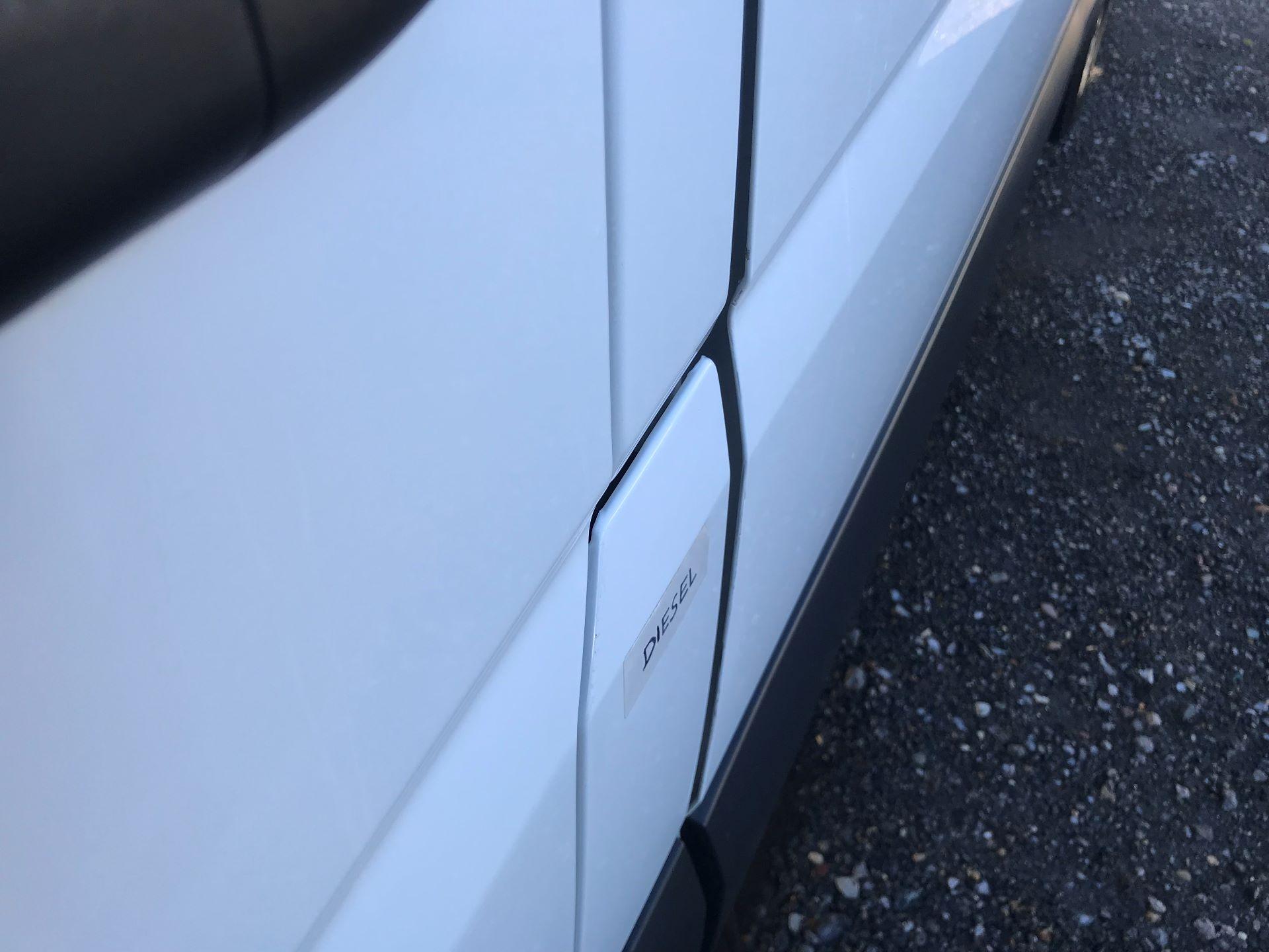 2018 Mercedes-Benz Sprinter 3.5T High Roof Van (KT67XPM) Image 33