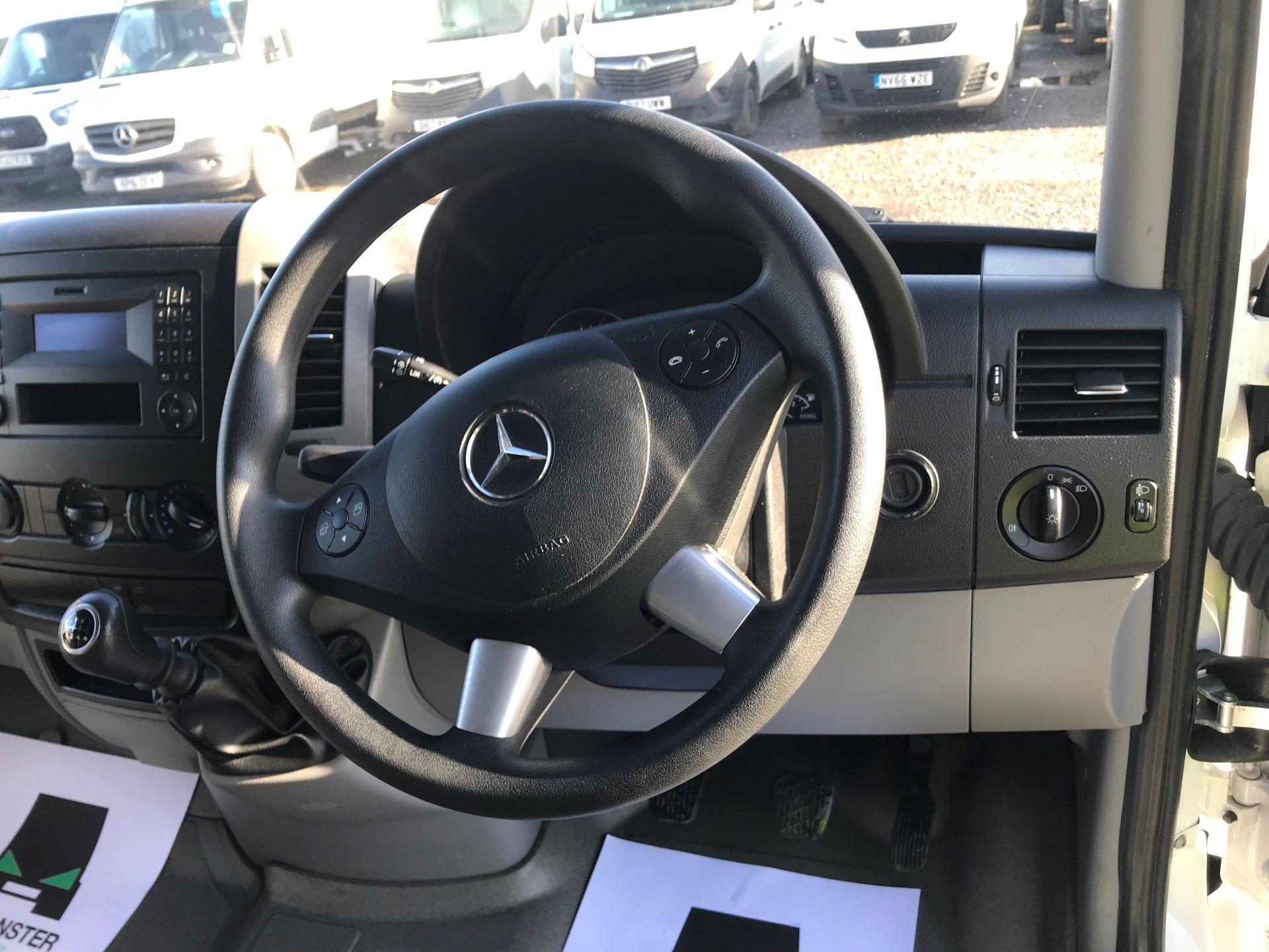 2018 Mercedes-Benz Sprinter 3.5T High Roof Van (KT67XPM) Image 24