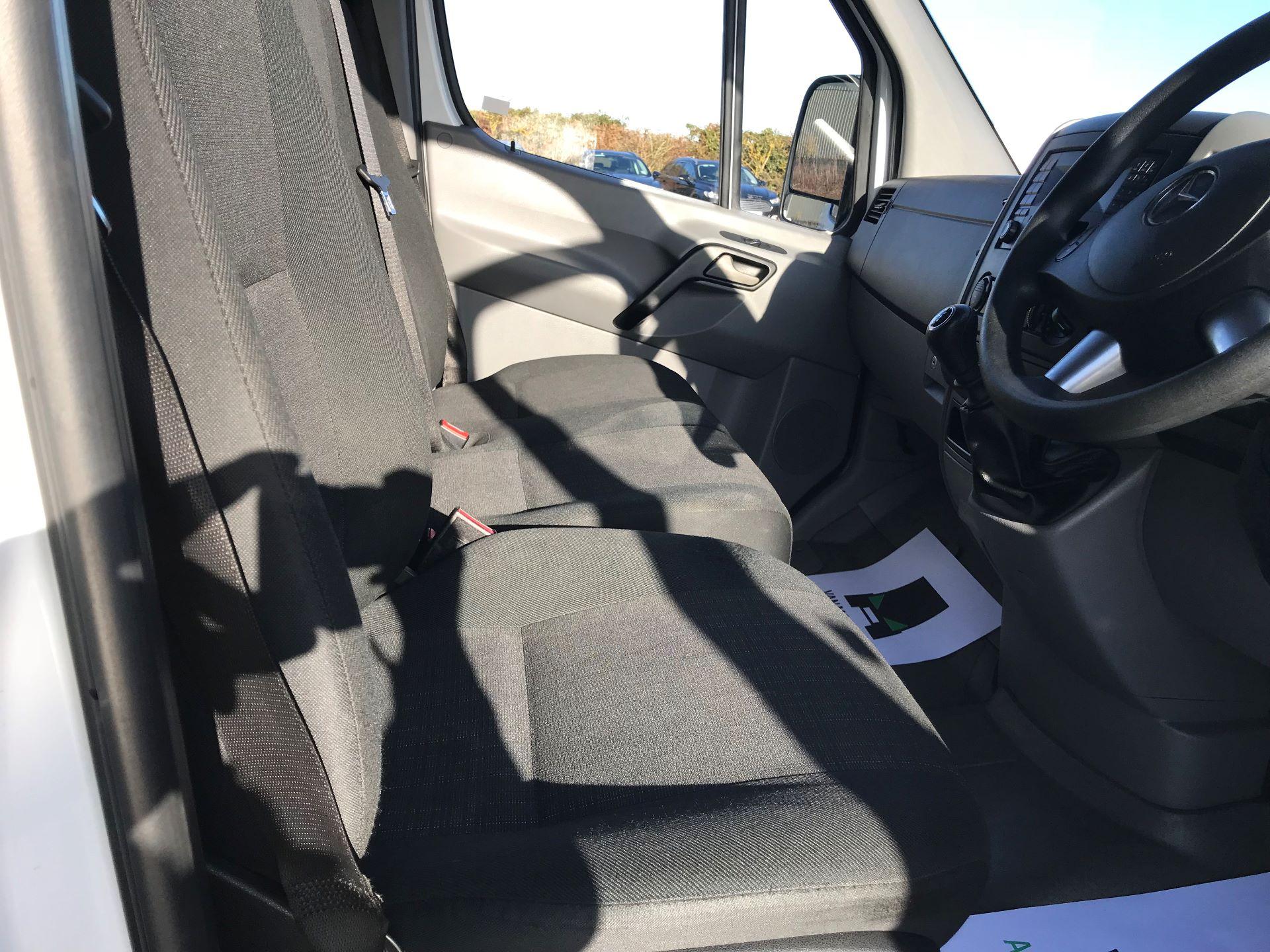 2018 Mercedes-Benz Sprinter 3.5T High Roof Van (KT67XPM) Image 23