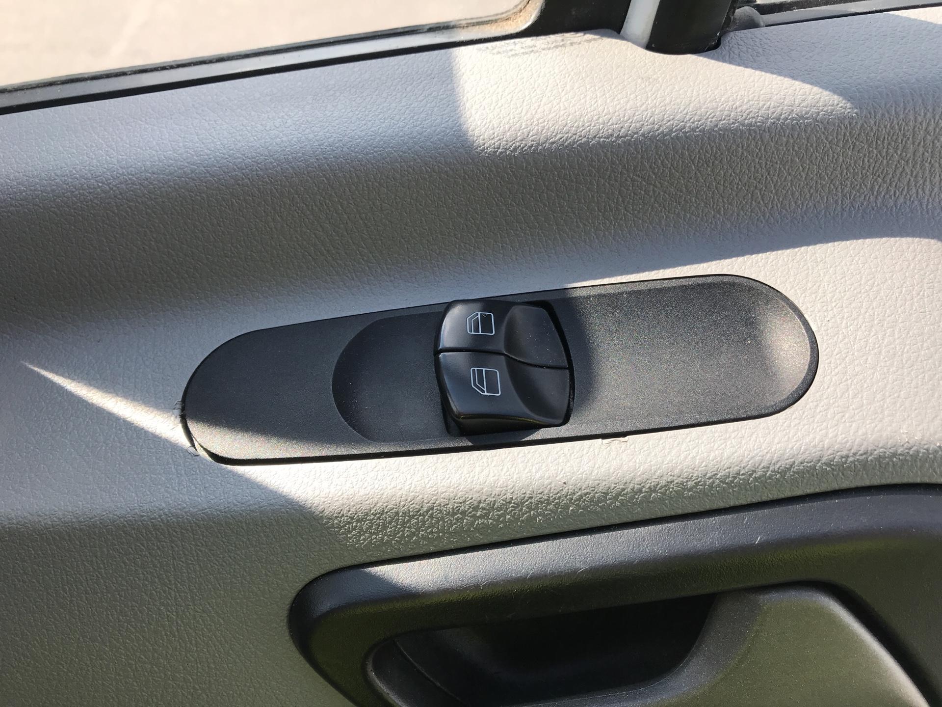 2018 Mercedes-Benz Sprinter 314 LWB H/R VAN EURO 6 (KT67XRF) Image 19