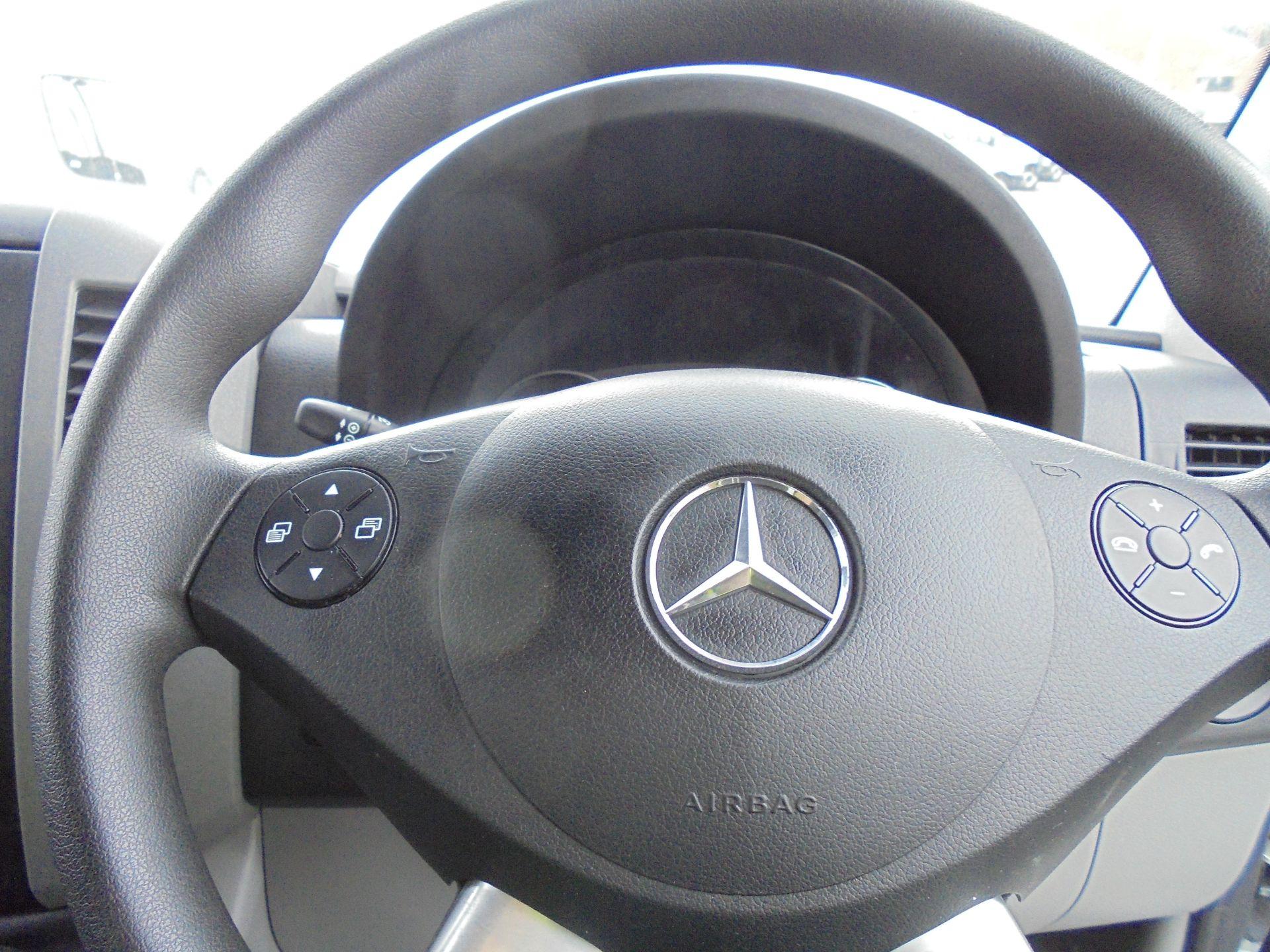 2018 Mercedes-Benz Sprinter 3.5T High Roof Van (KT67XRG) Image 31